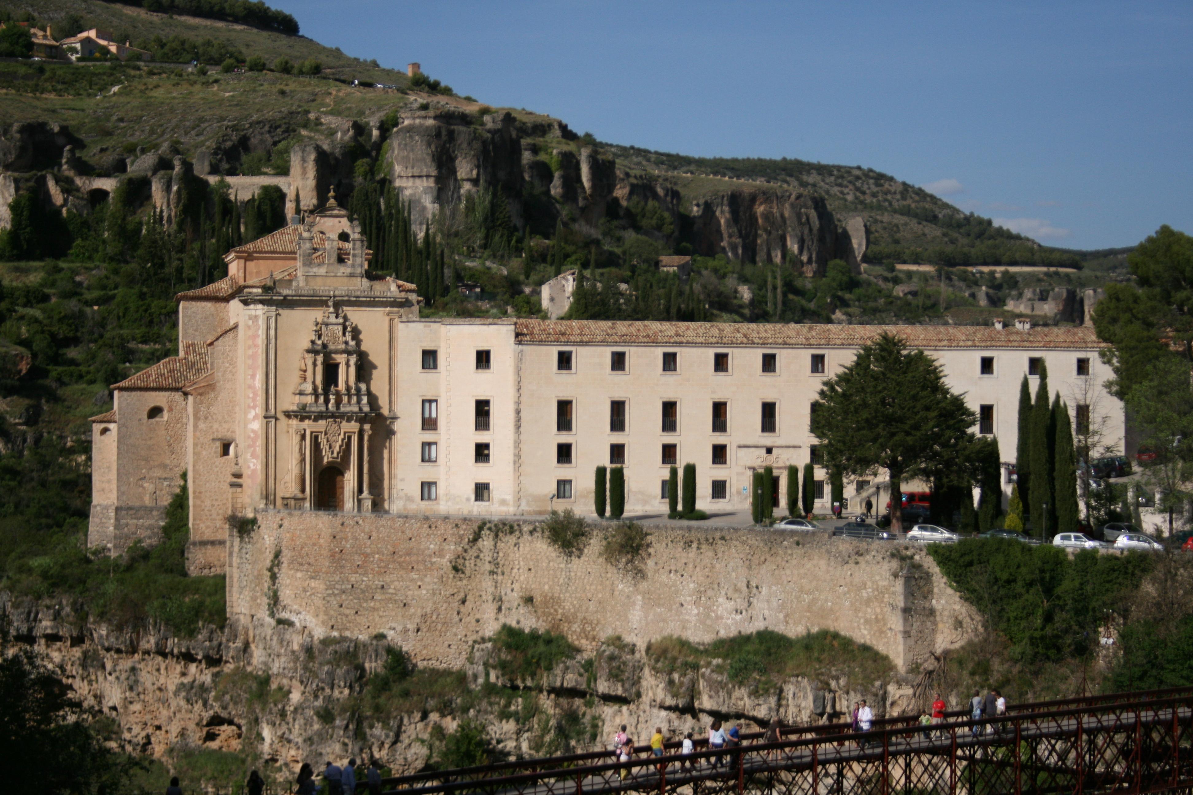 File:Parador Nacional de Cuenca (portada) 065.jpg