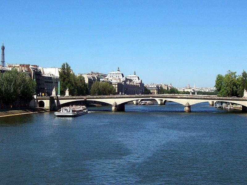 Seine River in Paris - Wikimedia Commons