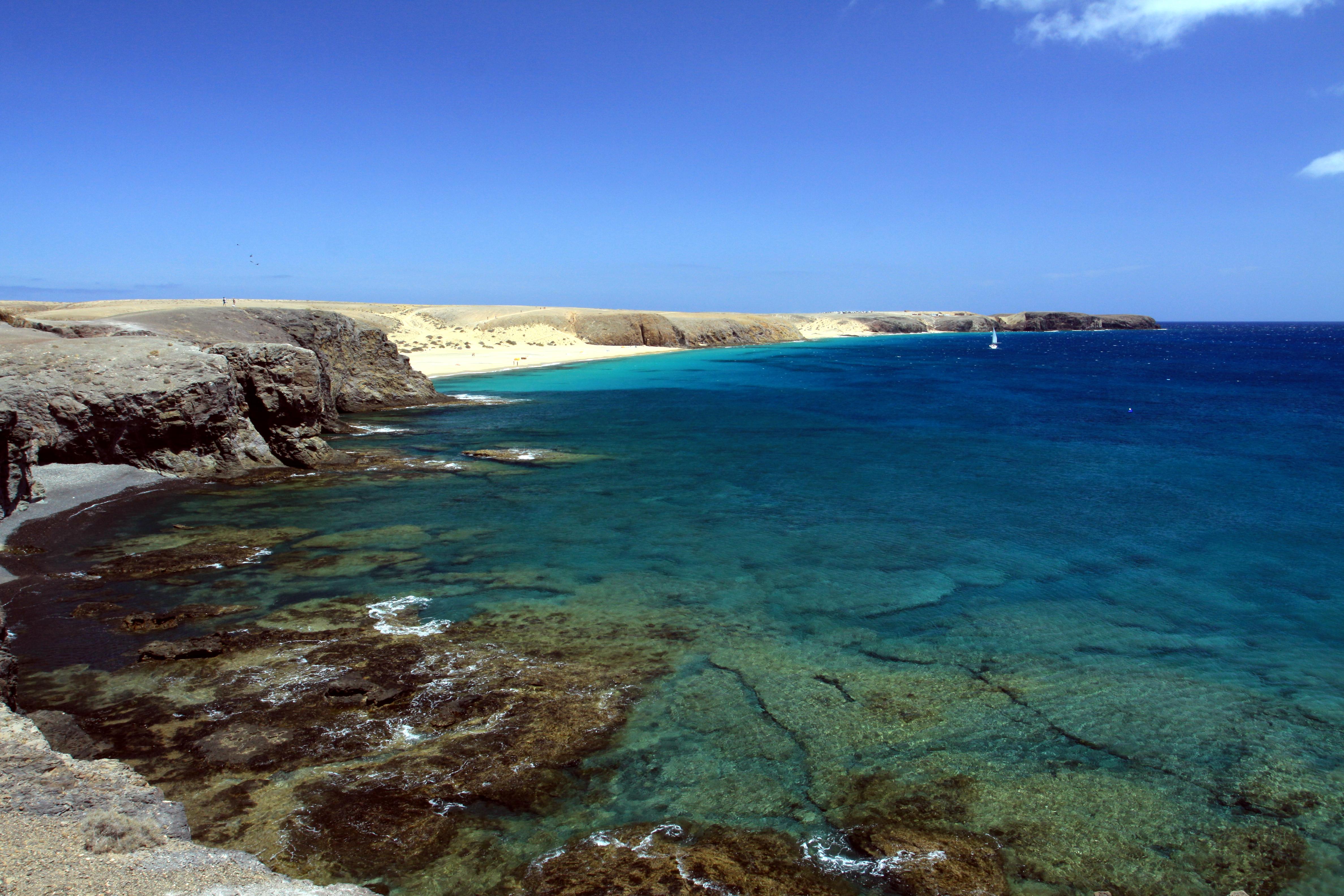 File:Playa Mujeres near Playa Blanca, Lanzarote in June 2013 (2).jpg