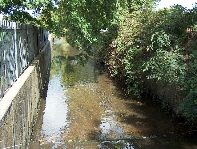 File:Pool River in Cator Park, Beckenham. - geograph.org.uk - 59158.jpg