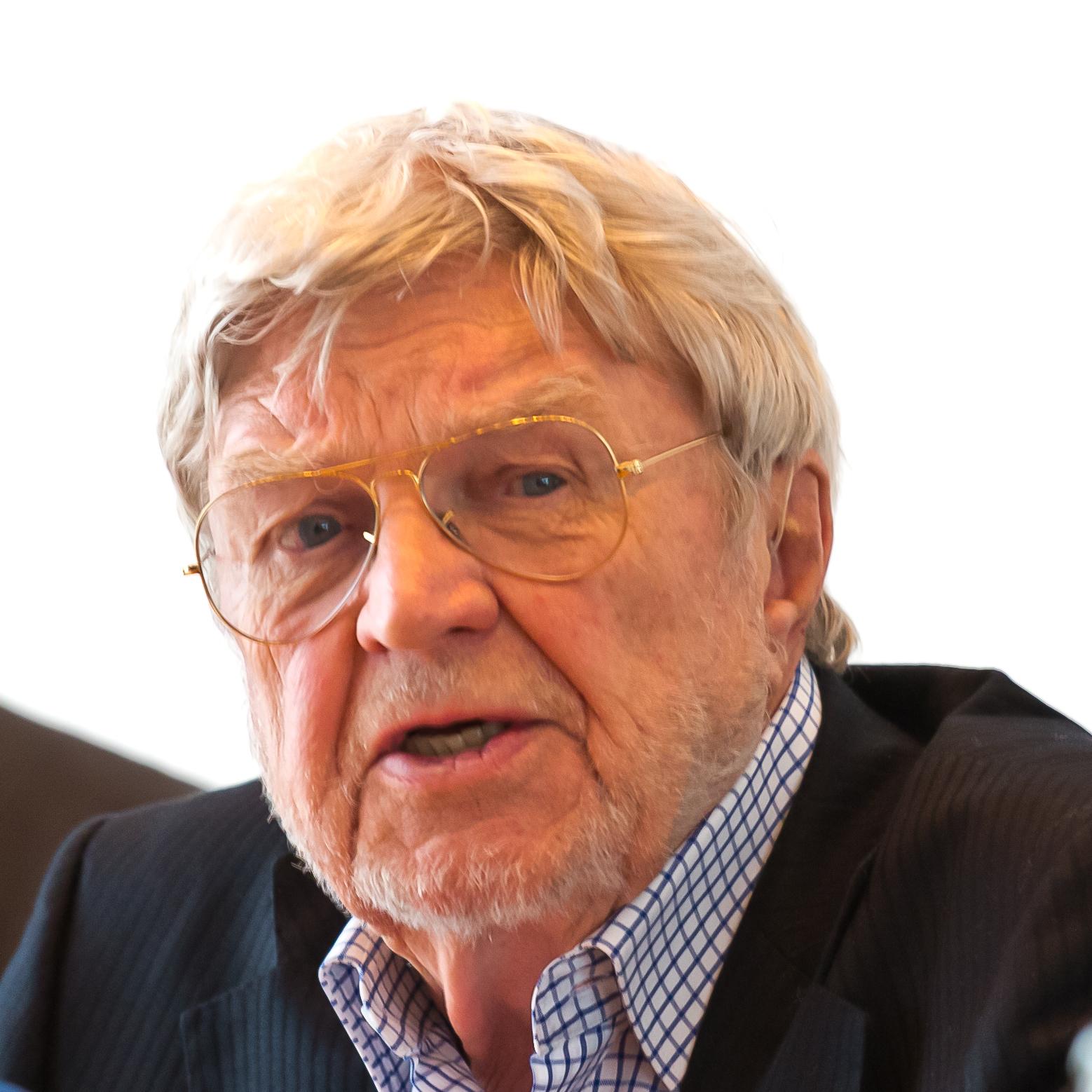 Hardy Krüger Größe