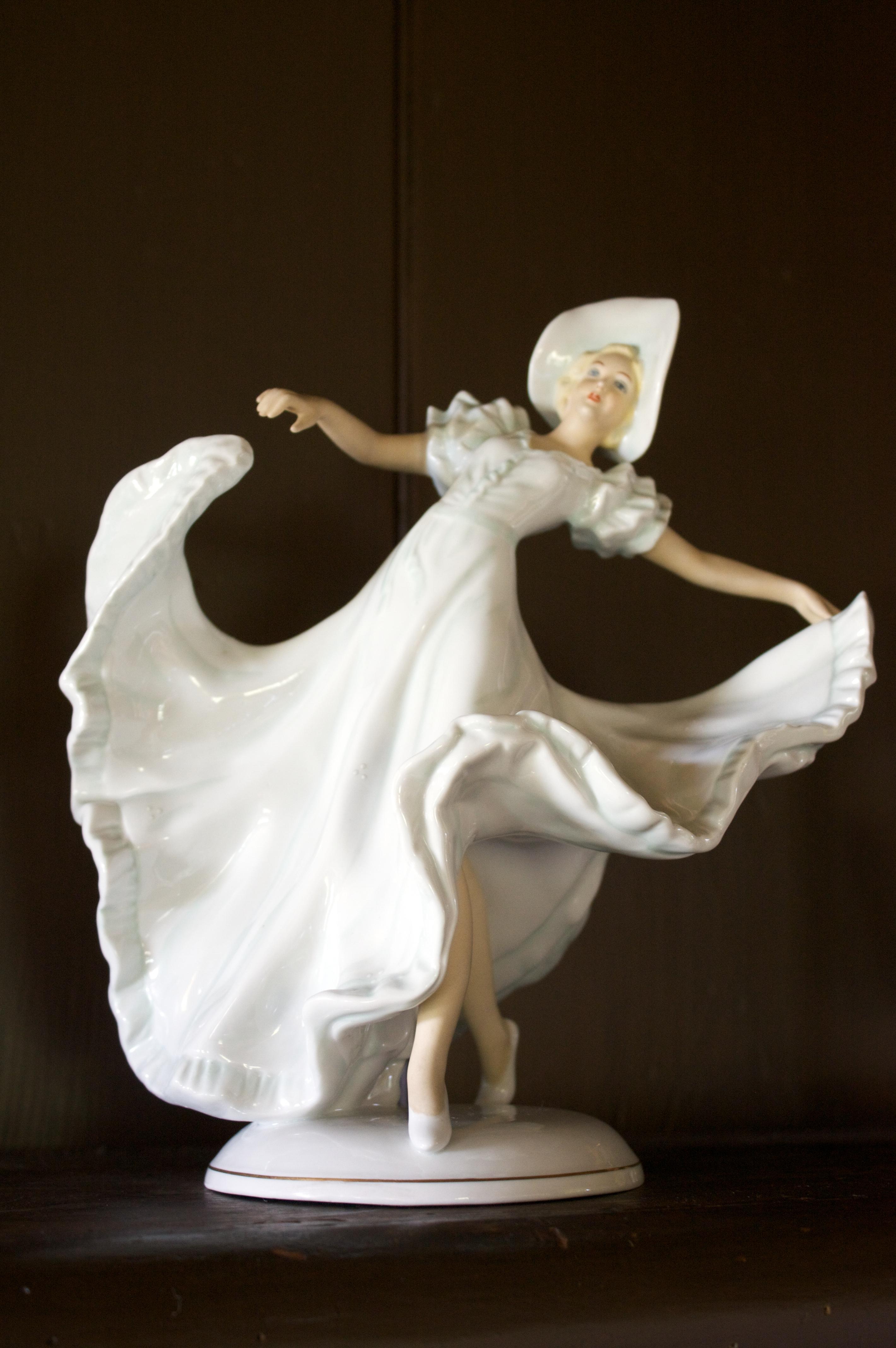 b8e8c749b List of Royal Doulton figurines - Wikipedia