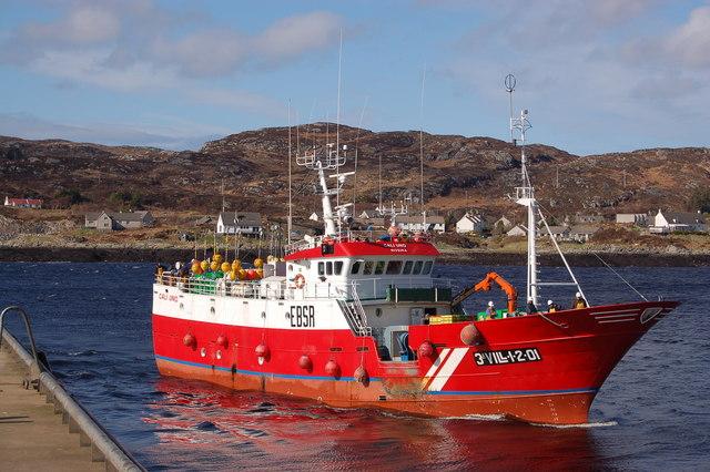 File:Spanish trawler arriving at Lochinver - geograph.org.uk - 1254951.jpg