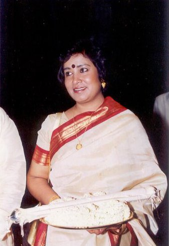 File:Taslima Nasrin receiving Ananda Award in 2000.jpg