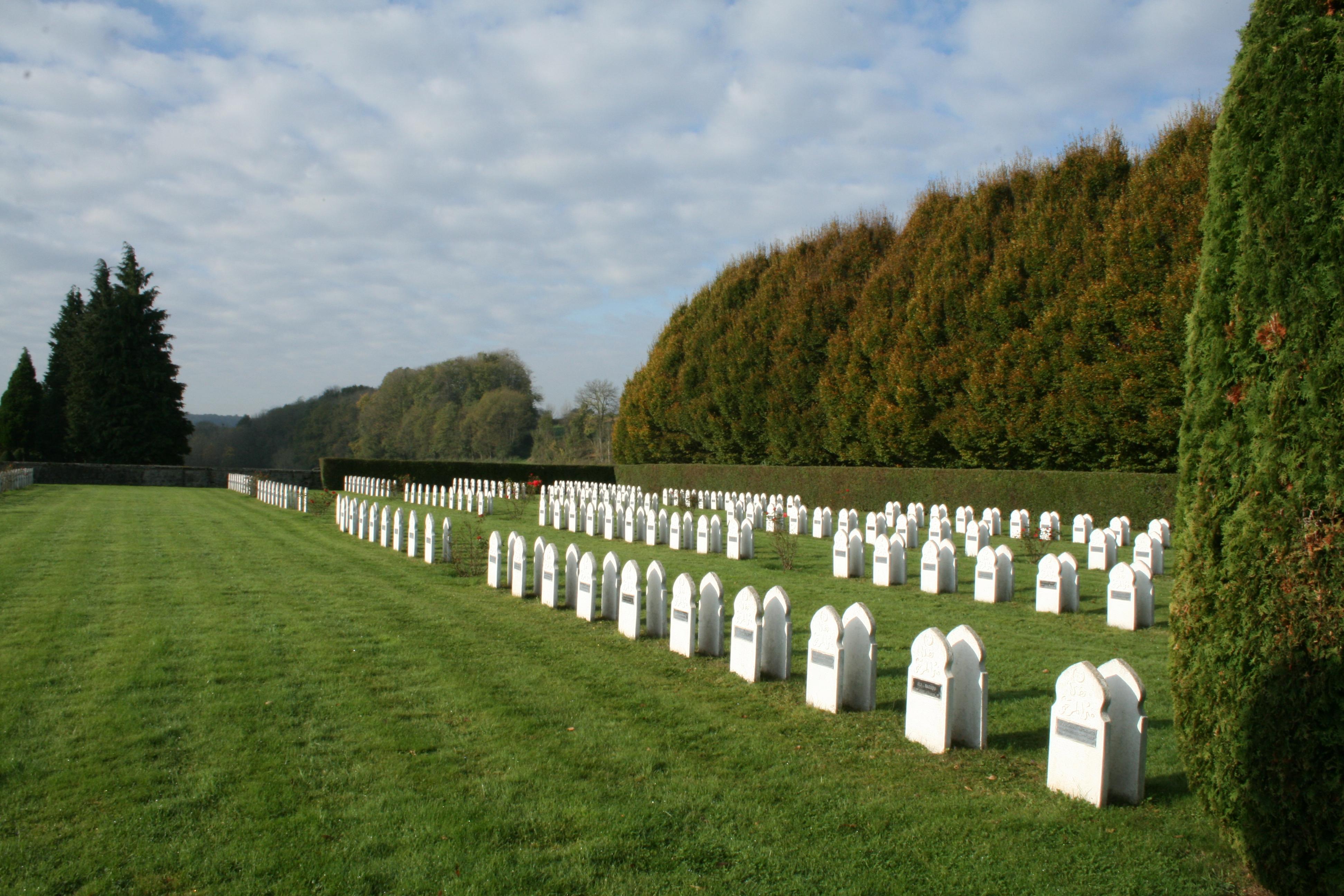 Description tombes musulmanes du cimetière militaire de rougemont