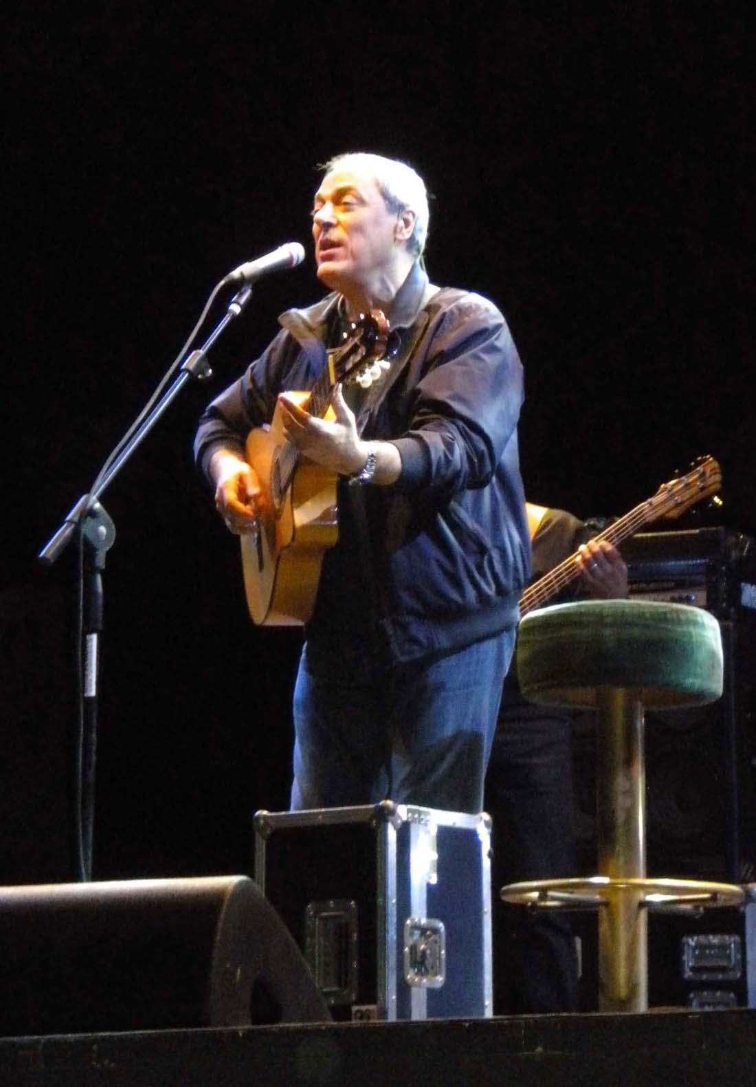 Toquinho en un recital en Cremona (Italia), en agosto de 2010.