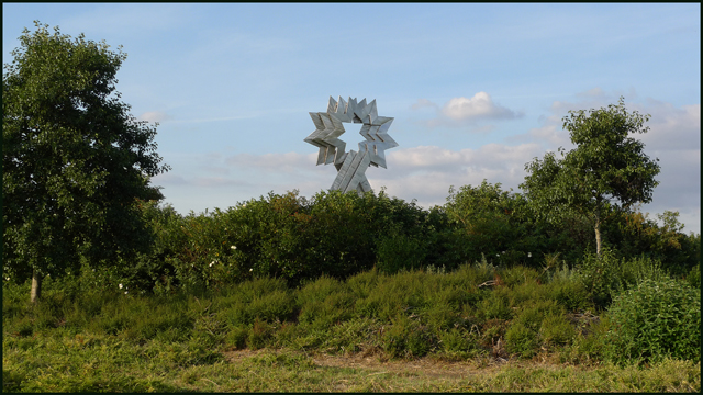 Triple Star Head at Furzton Lake, Milton Keynes. - geograph.org.uk - 1453694