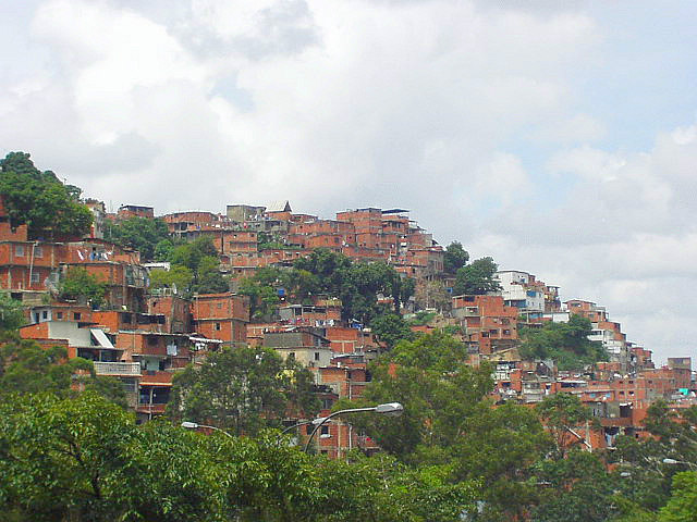 Barrío Bolivar, Caracas, Venezuela. Photo taken by Kinori, Wikimedia Commons Public Domain.