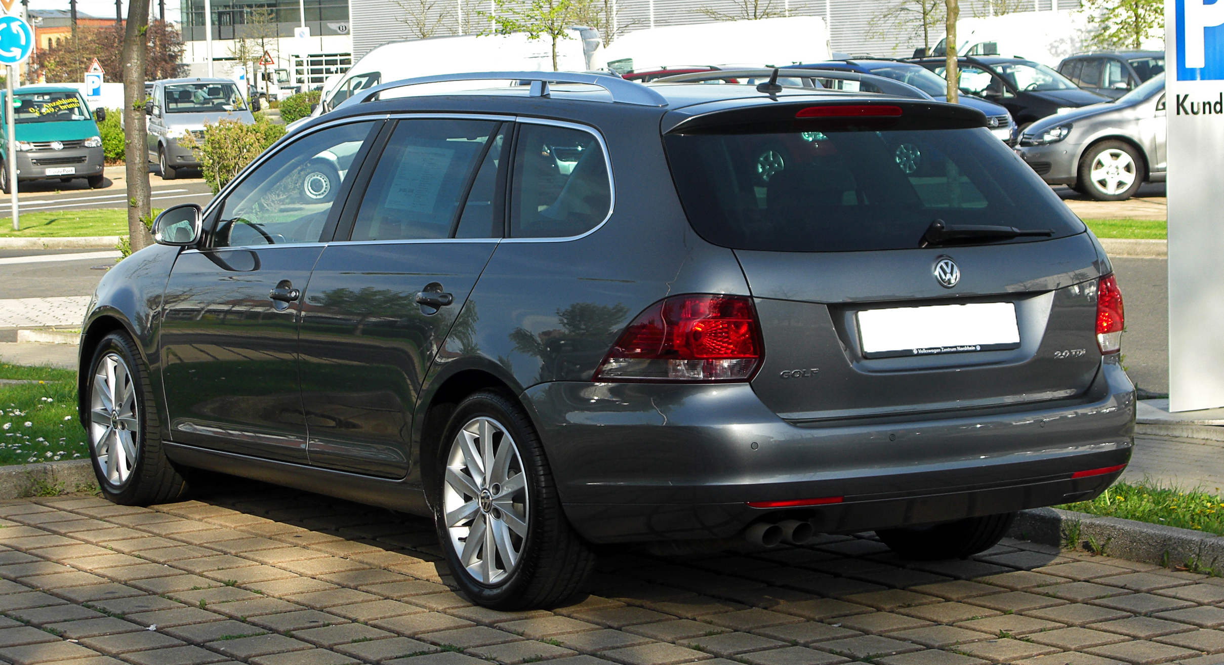 plik vw golf variant 2 0 tdi highline vi heckansicht 9 april 2011 d. Black Bedroom Furniture Sets. Home Design Ideas