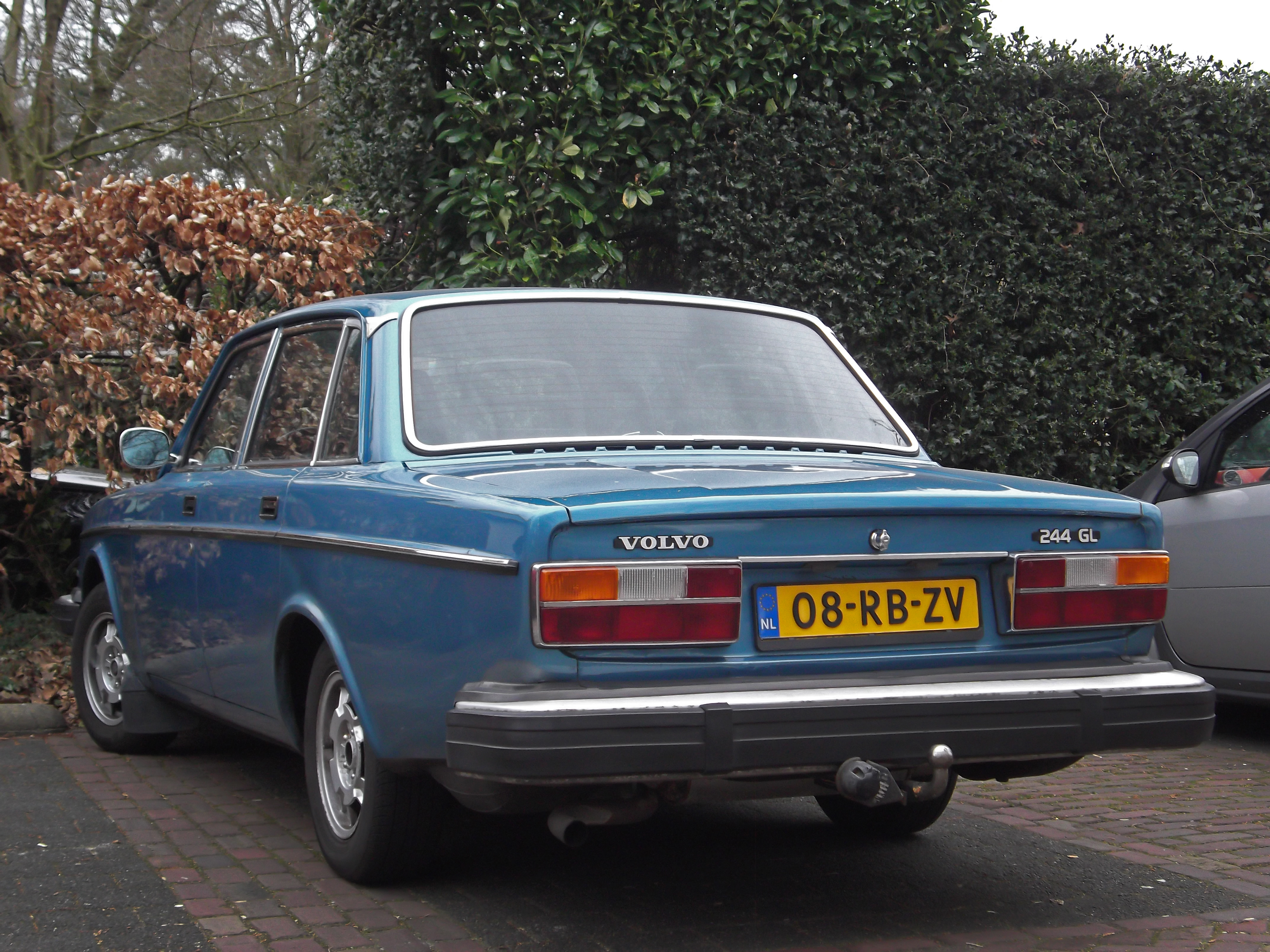 File:Volvo 244 GL (13219860853).jpg