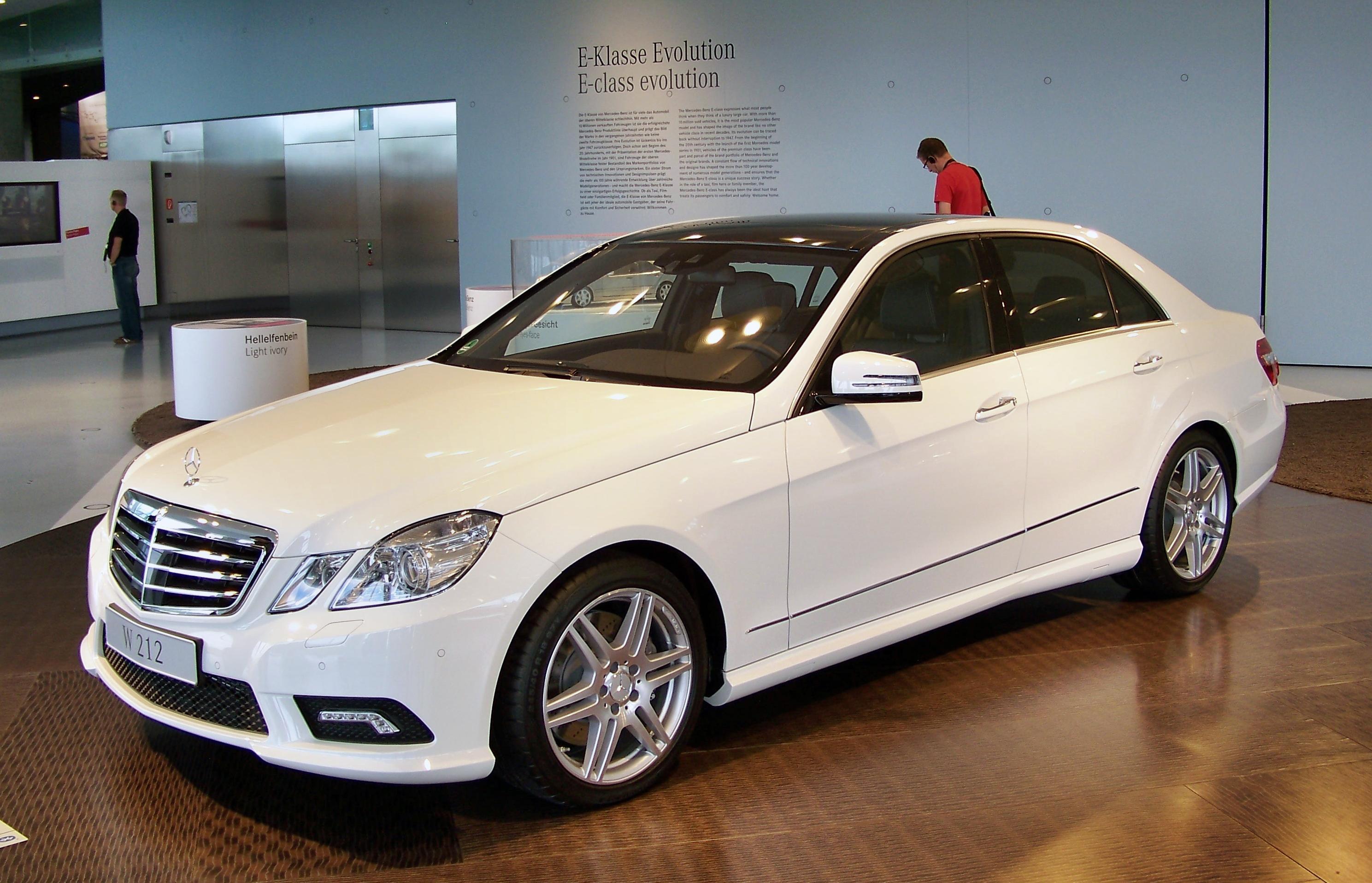File White W212 E 500 Amg Mercedes Museum Jpg Wikimedia