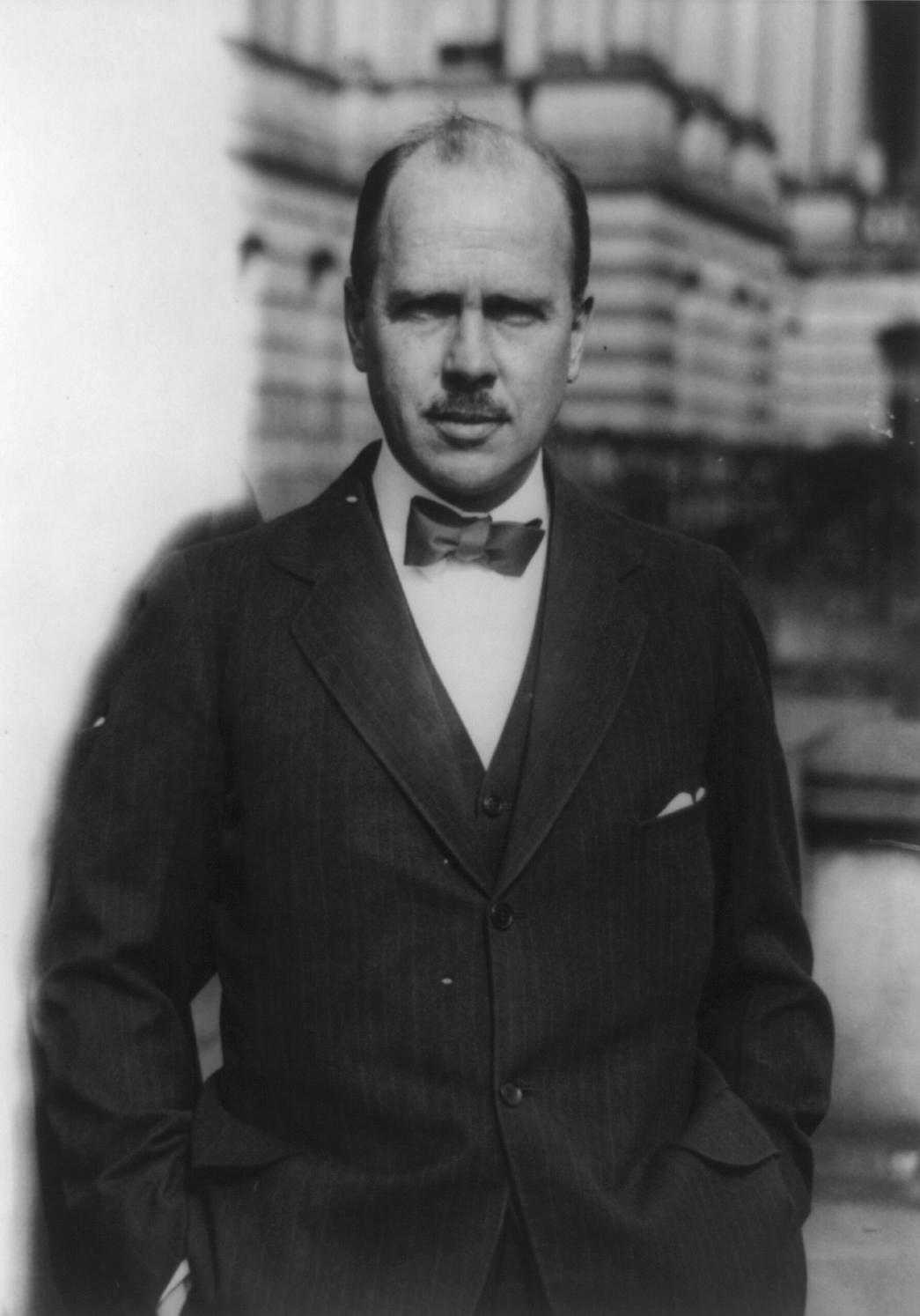 Hugh R . Wilson