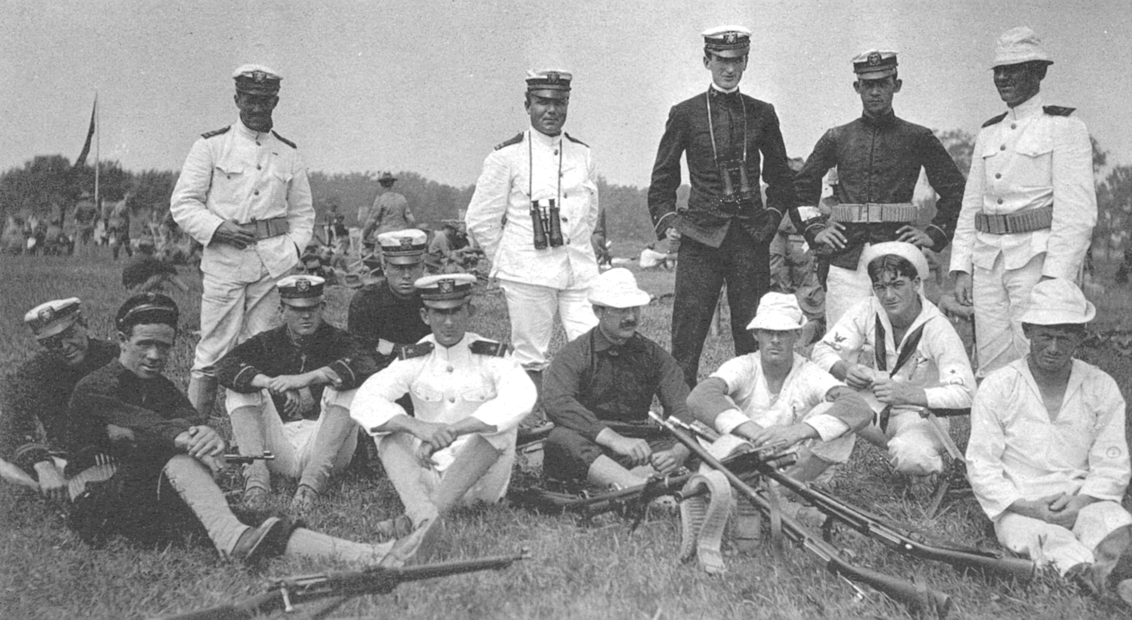 File:1907 Navy Rifle Team.png