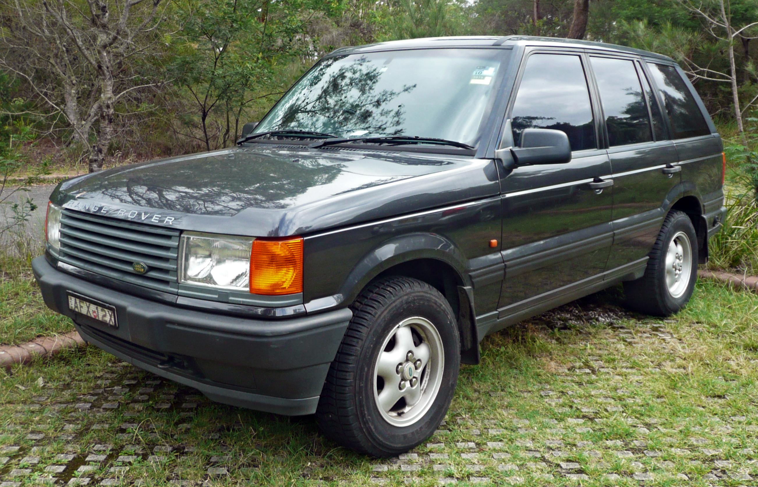 File:1995-1998 Land Rover Range Rover (P38A) 4.0 SE wagon 04