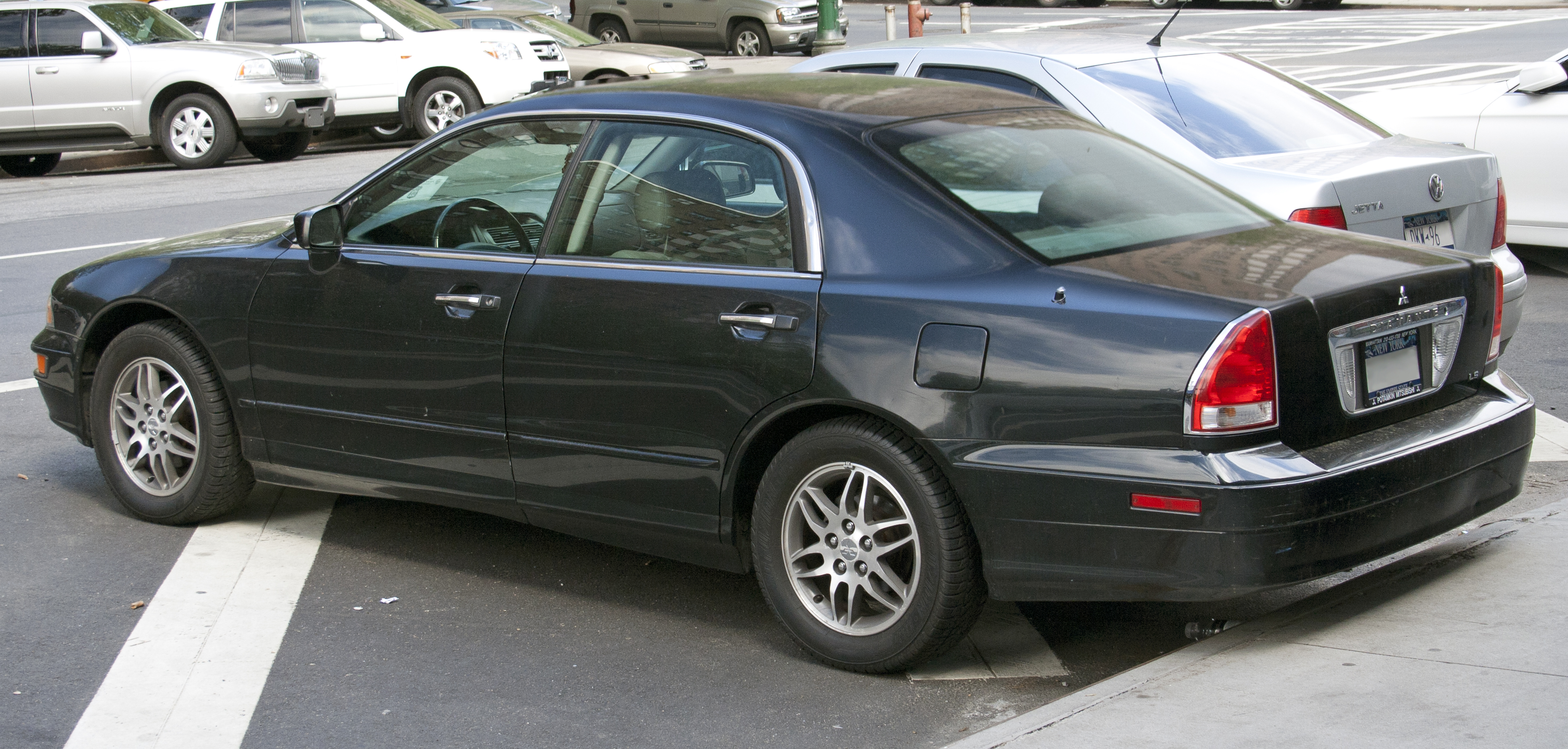 file:2003 mitsubishi diamante ls rear - wikimedia commons