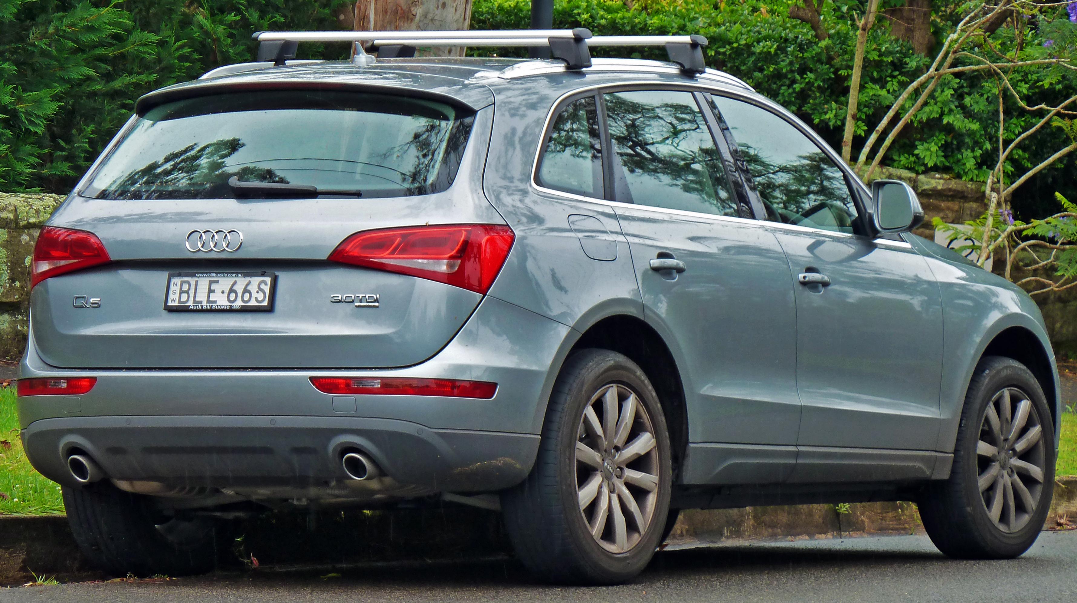 File:2009-2010 Audi Q5 (8R) 3.0 TDI quattro wagon 01.jpg - Wikimedia ...