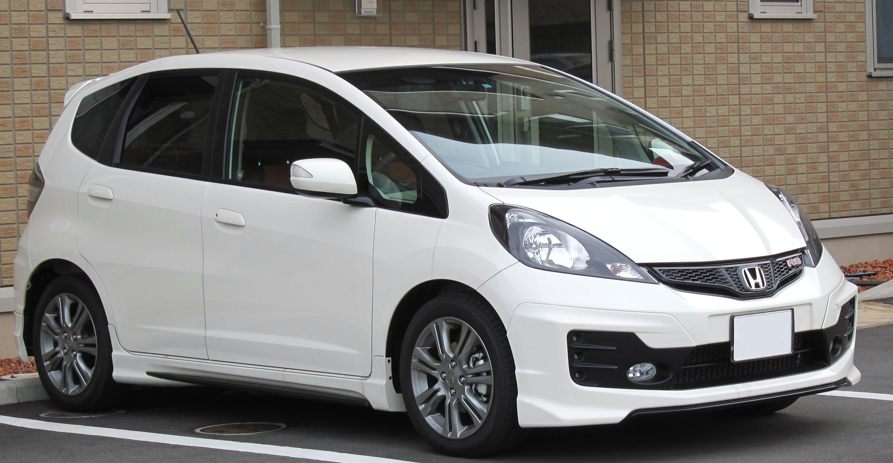 File 2010 Honda Fit Rs Jpg Wikimedia Commons