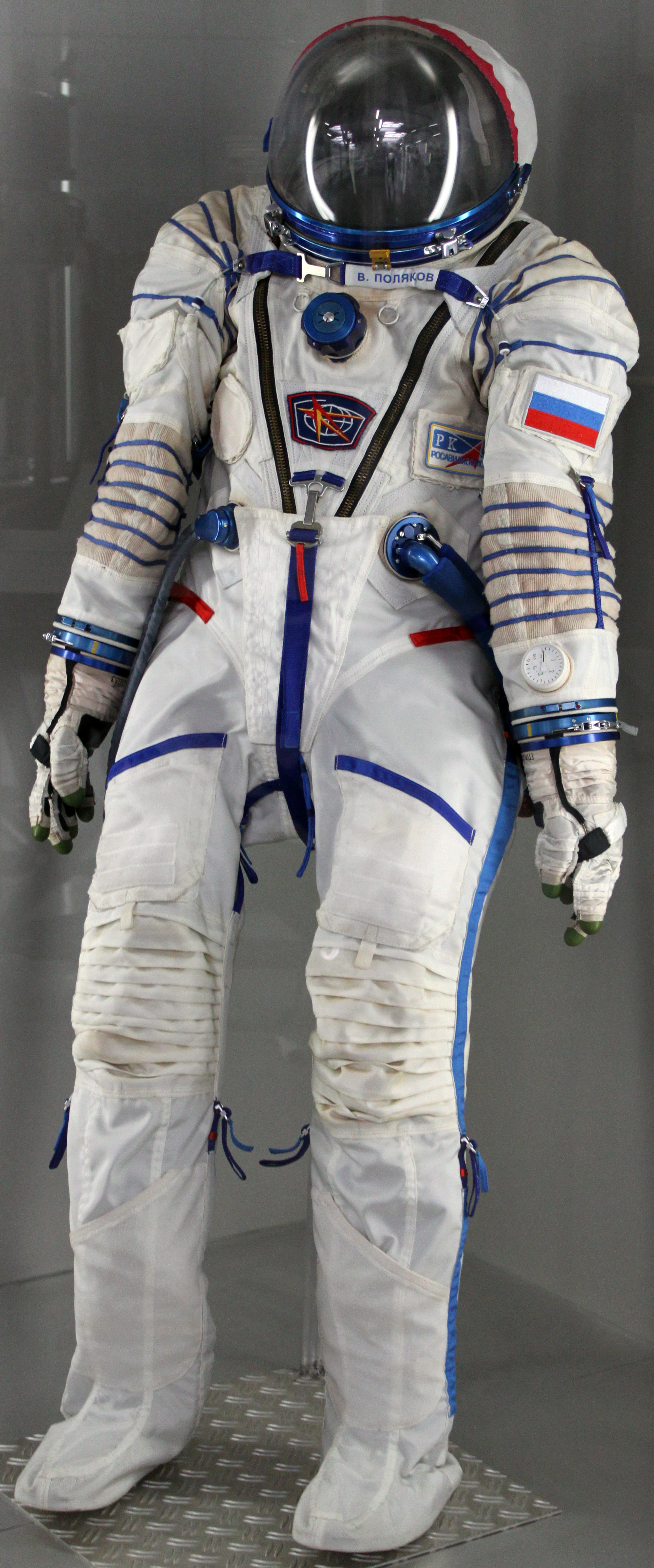 File2012 10 23 Sokol KV 2 Space Suit AnagoriaJPG