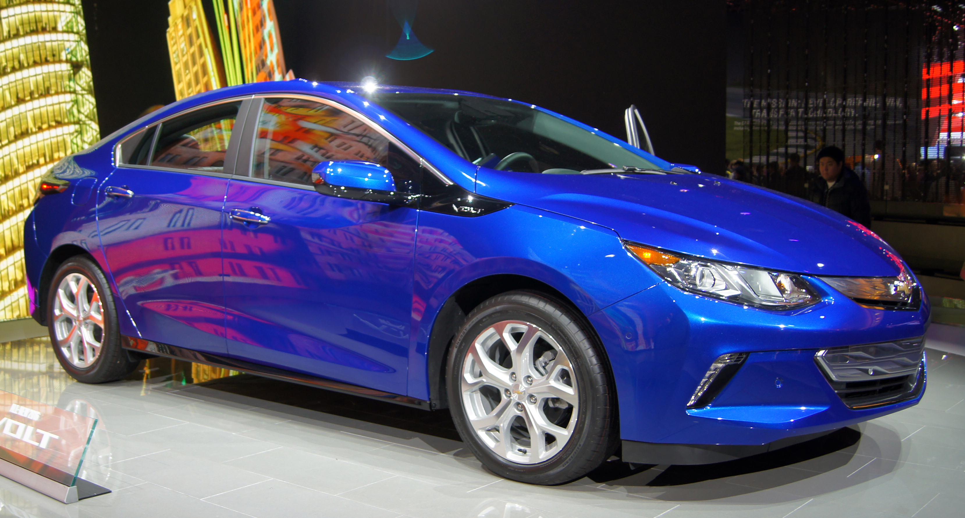 New Electric Vehicles for 2016 Chevy Volt Nissan Leaf Tesla
