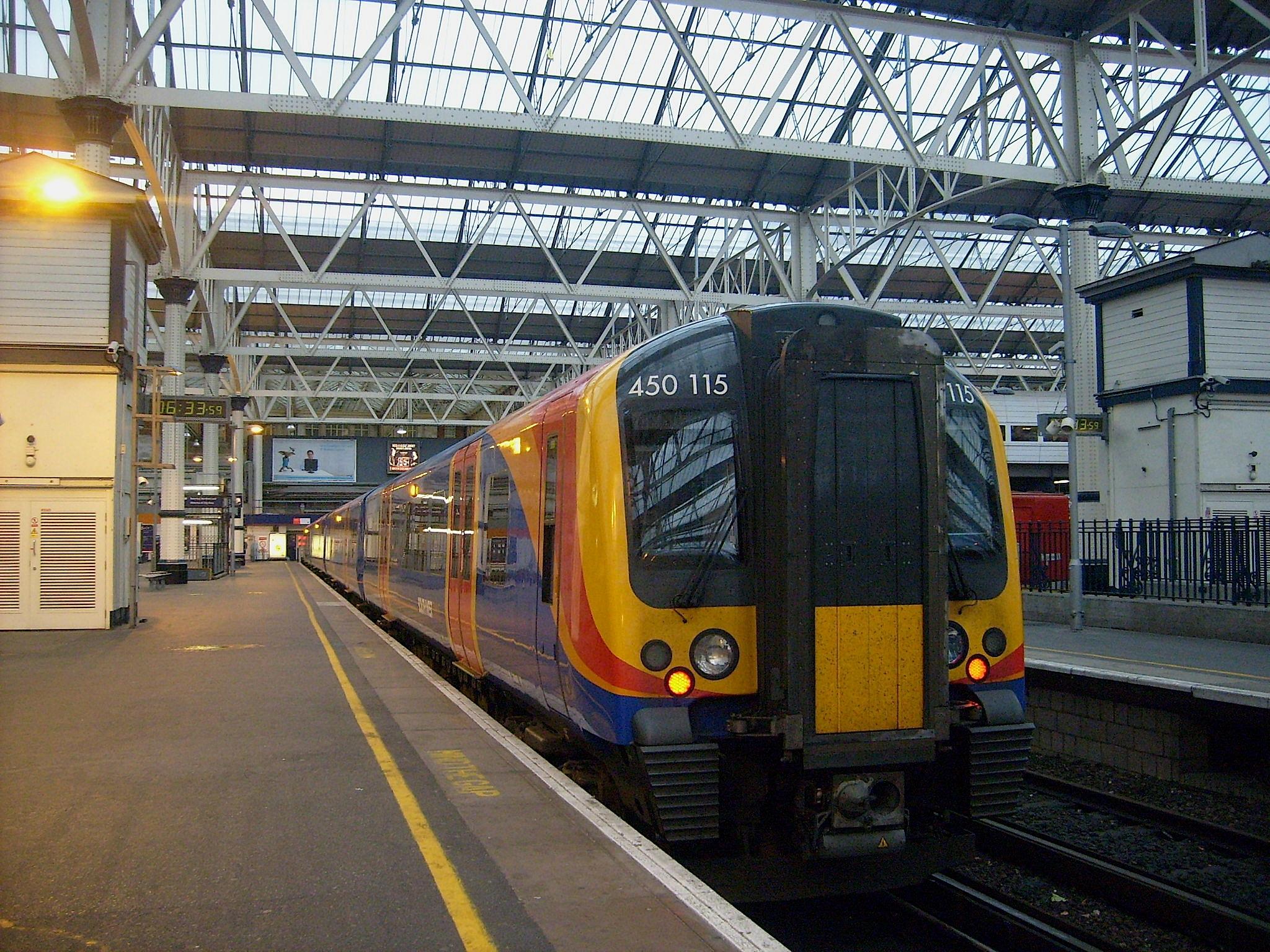 train times bracknell london waterloo