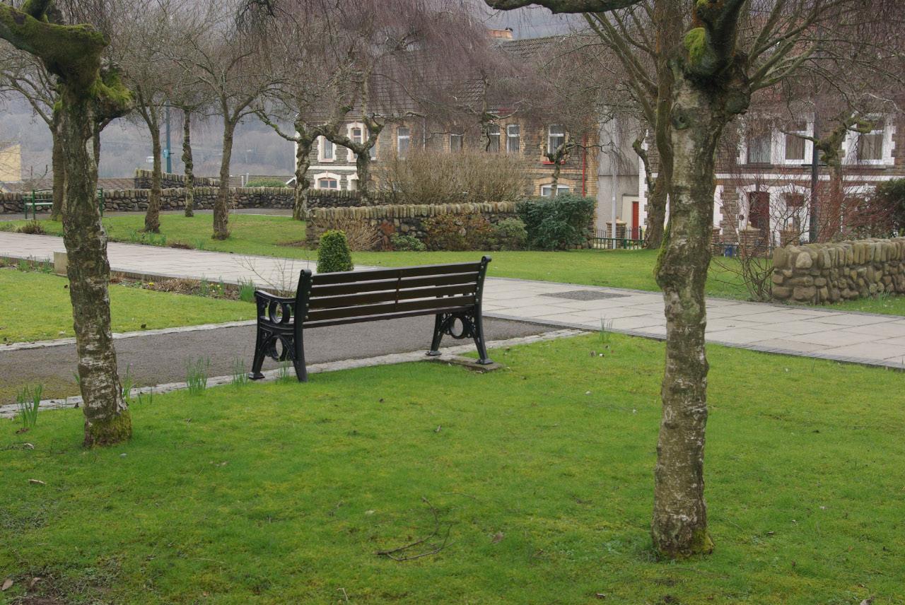 File Aberfan Memorial Garden Geograph 3380467 By Stephen Mckay Jpg Wikimedia Commons