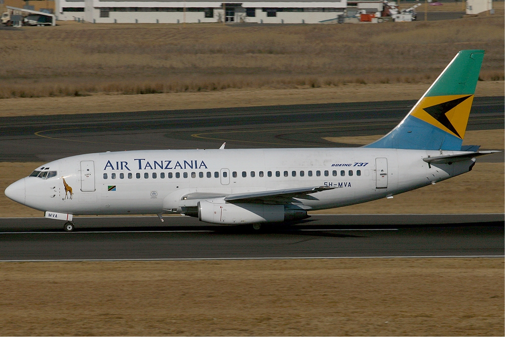 File:Air Tanzania Boeing 737-200 KvW.jpg - Wikipedia, the free ...