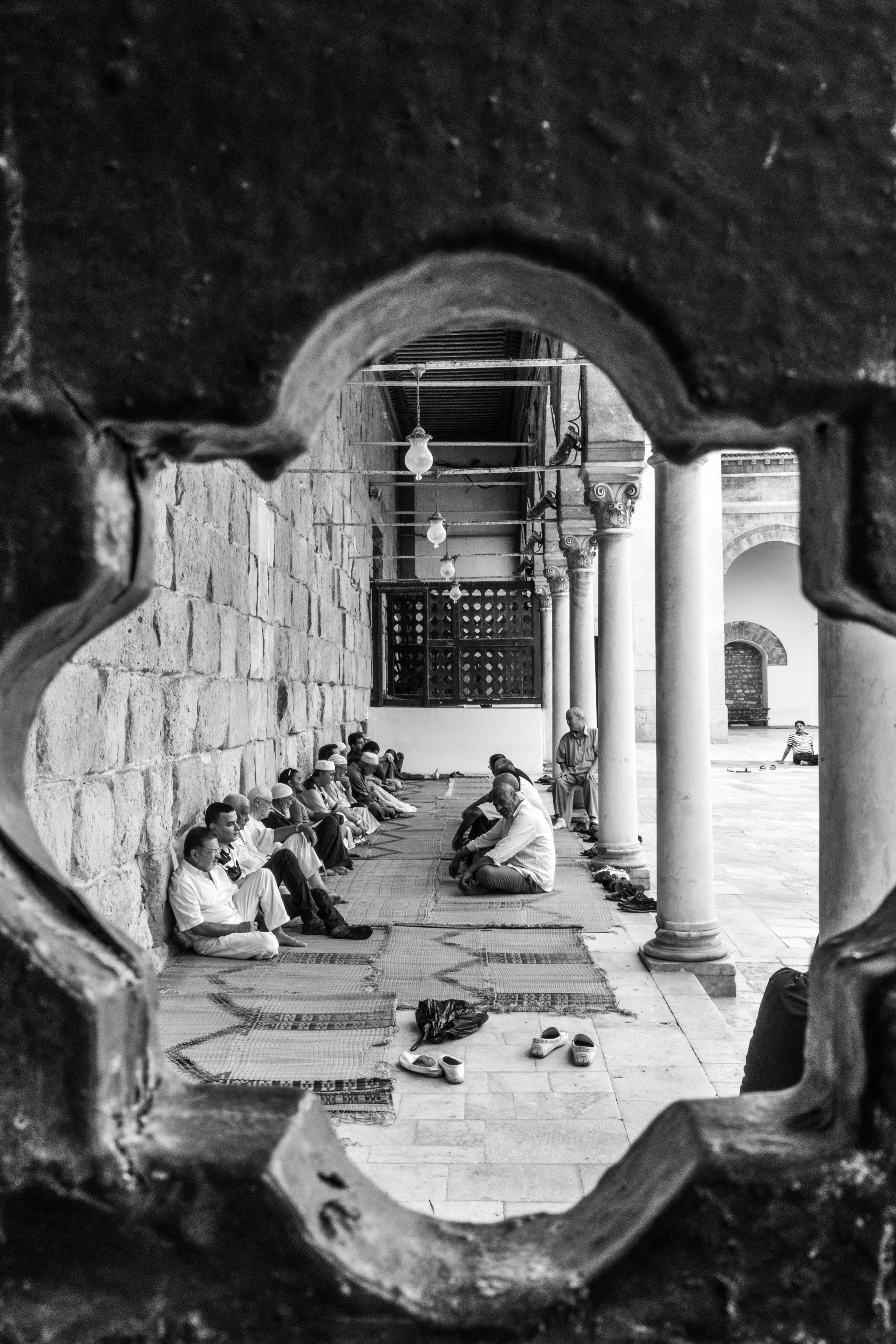 File Al Zaytuna Mosque From Inside Jpg Wikimedia Commons