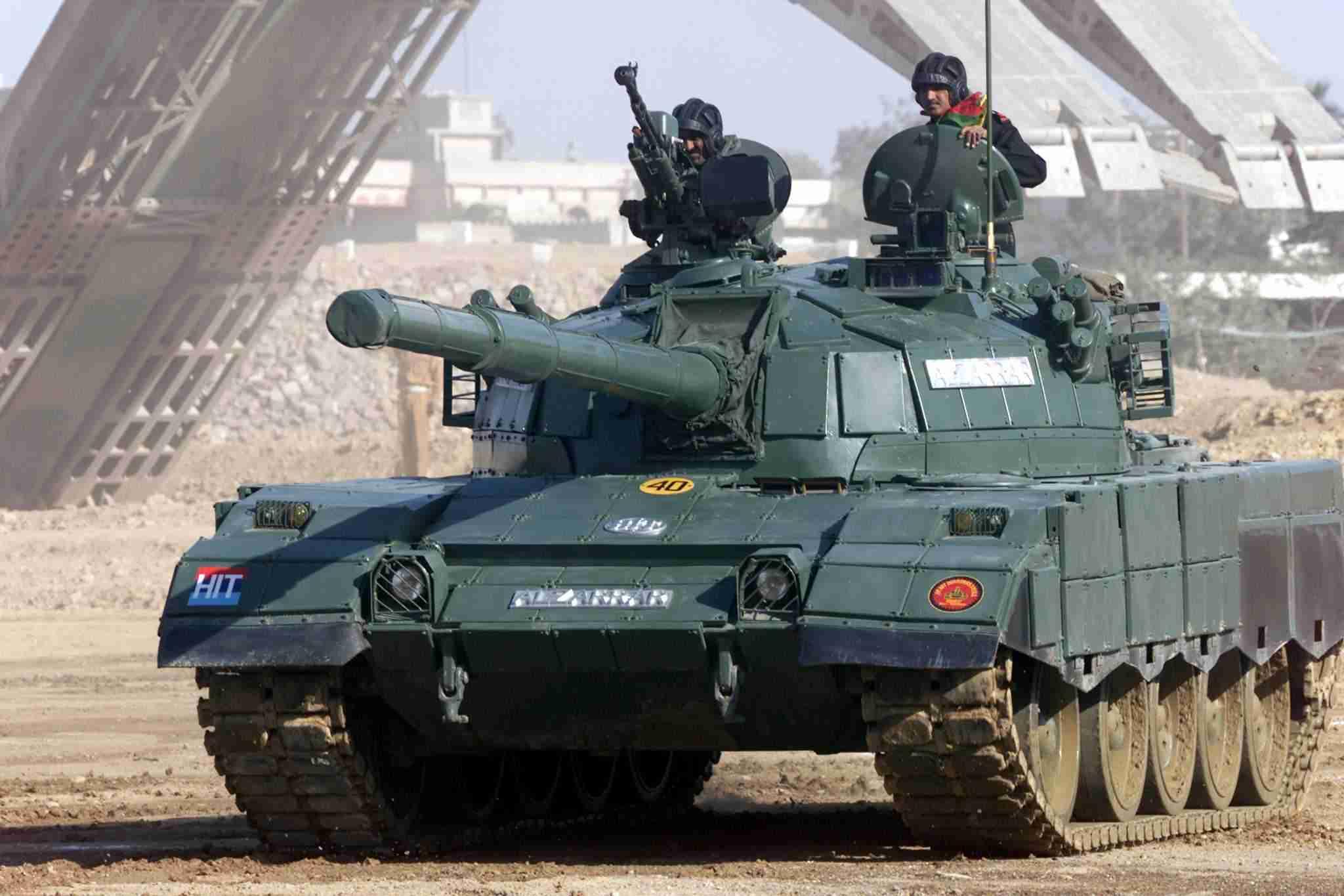 القوات البرية العربية الجزء الأول : الدبابات (2) (شــــــــــــــــــــــــــــــــــــــــــــــــامل) Alzarrar