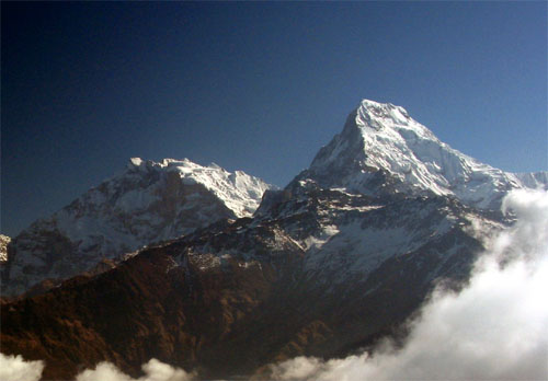 http://upload.wikimedia.org/wikipedia/commons/8/82/AnnapurnaSouth...