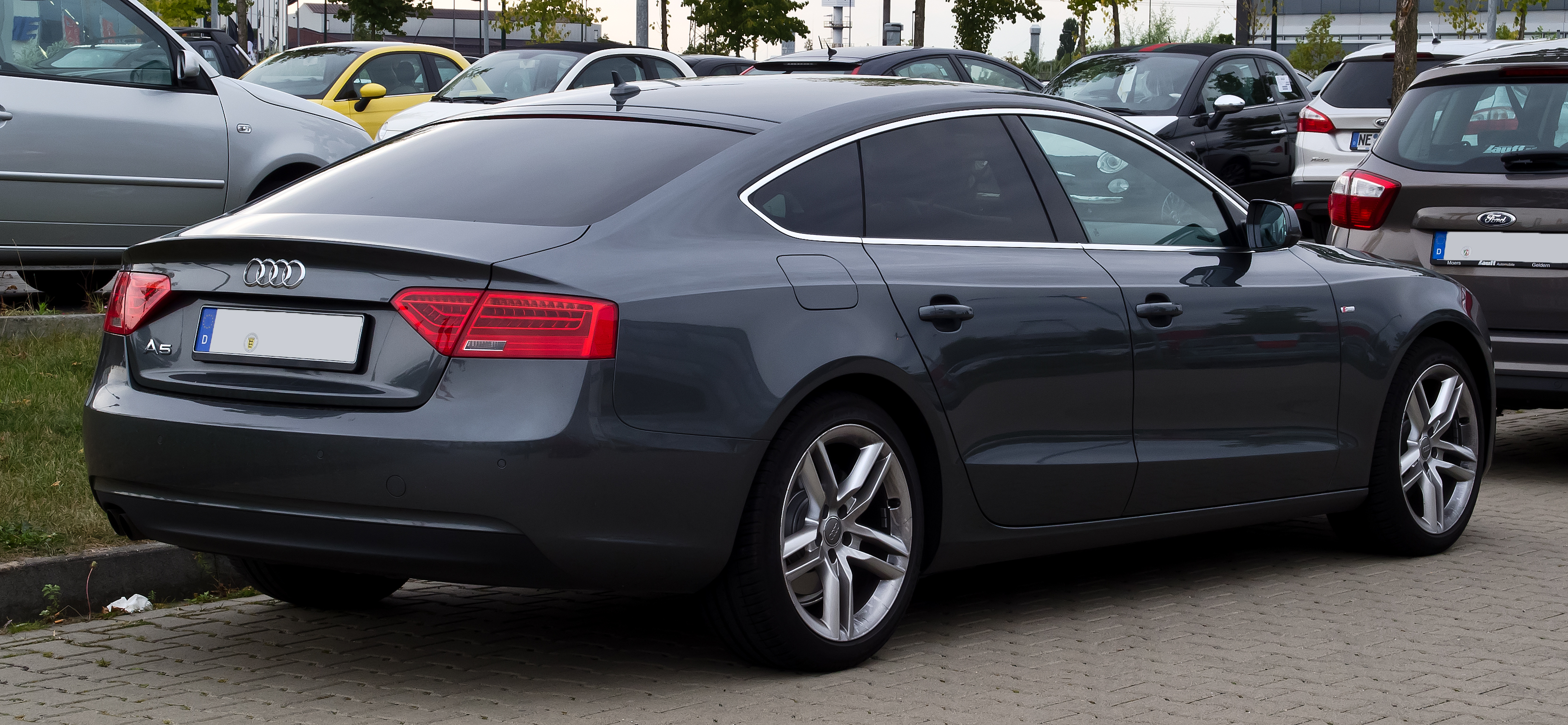 Audi a5 20 tdi black edition 2012
