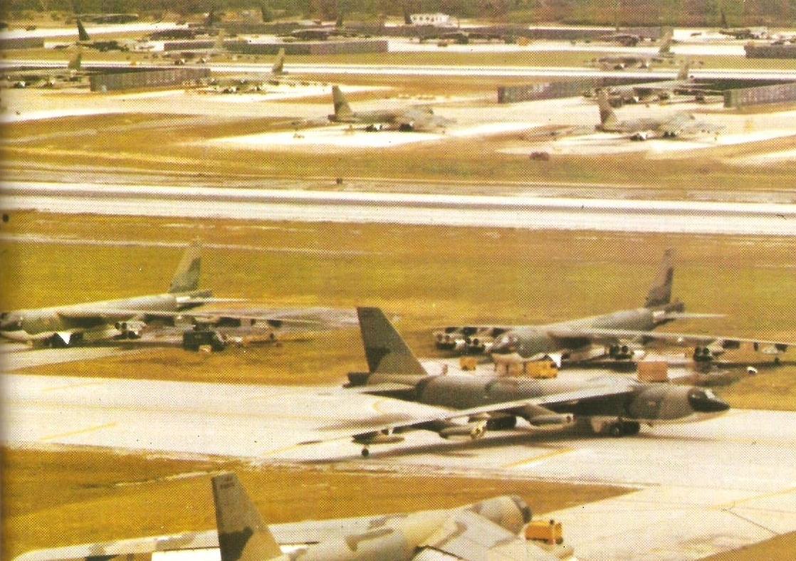 oeing-52tratofortress-52atndersenirorcease,duringperationinebackerinietnamar,1972
