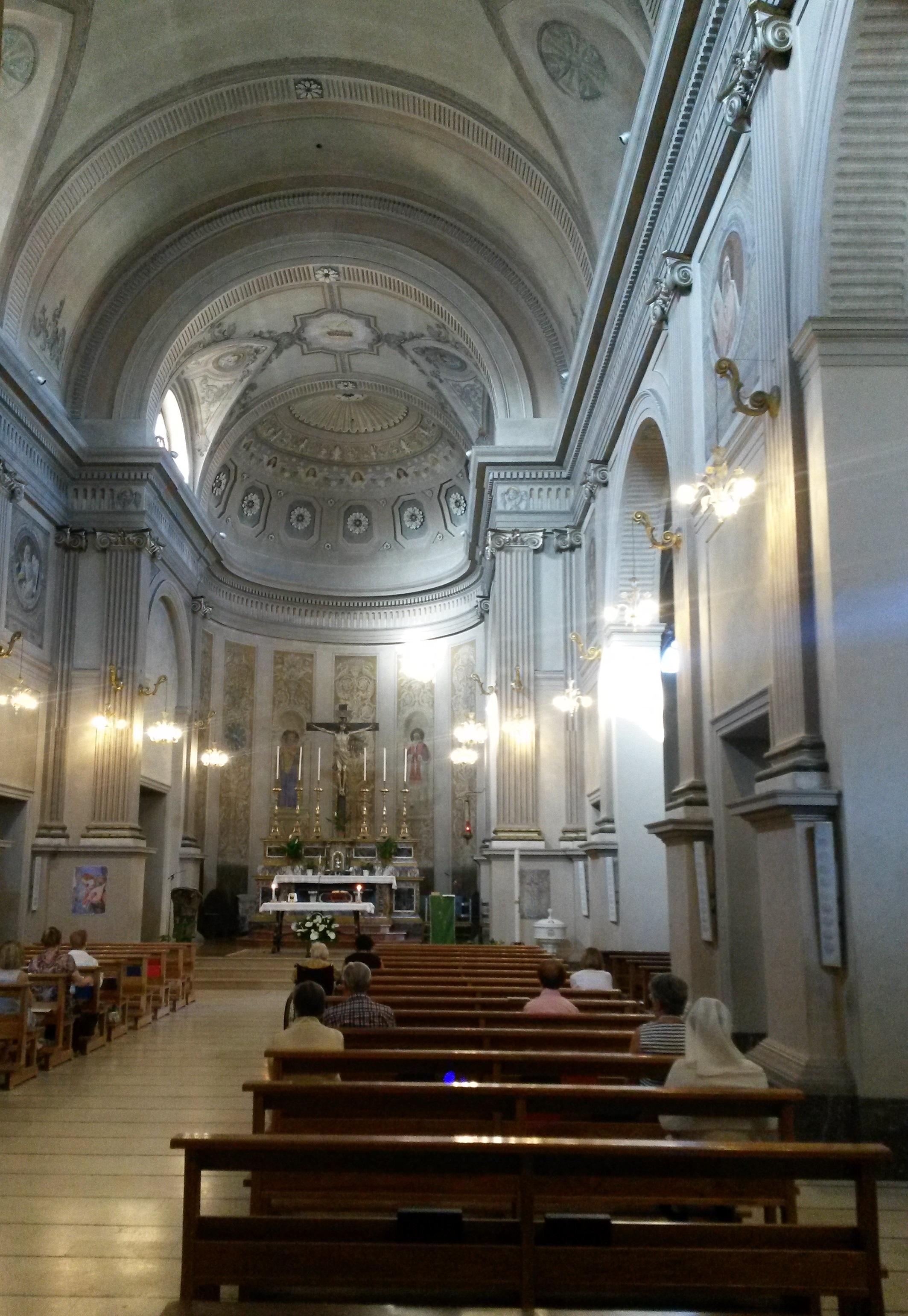 File Chiesa Di San Pio V Cattolica Interno Jpg Wikipedia