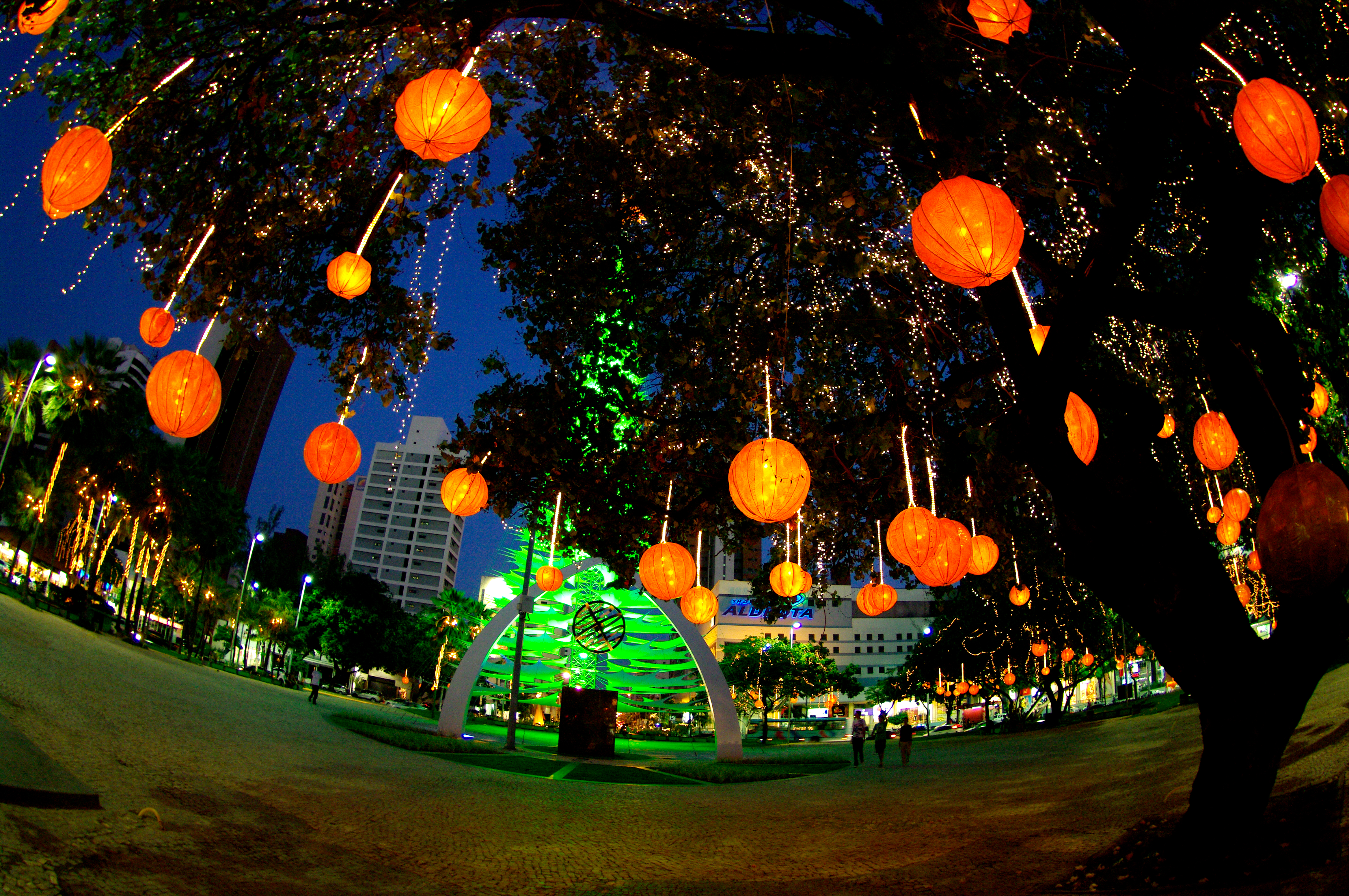 File:Christmas decoration at Portugal Square in Fortaleza.jpg ...