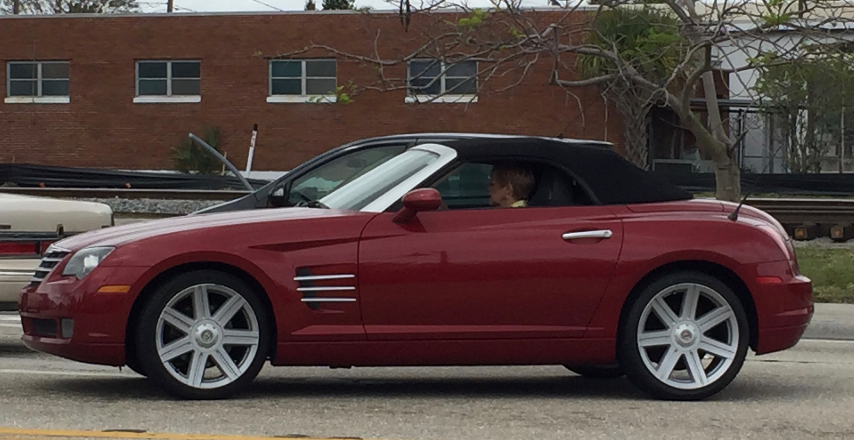 File:Chrysler Crossfire Roadster Burgundy FL Side