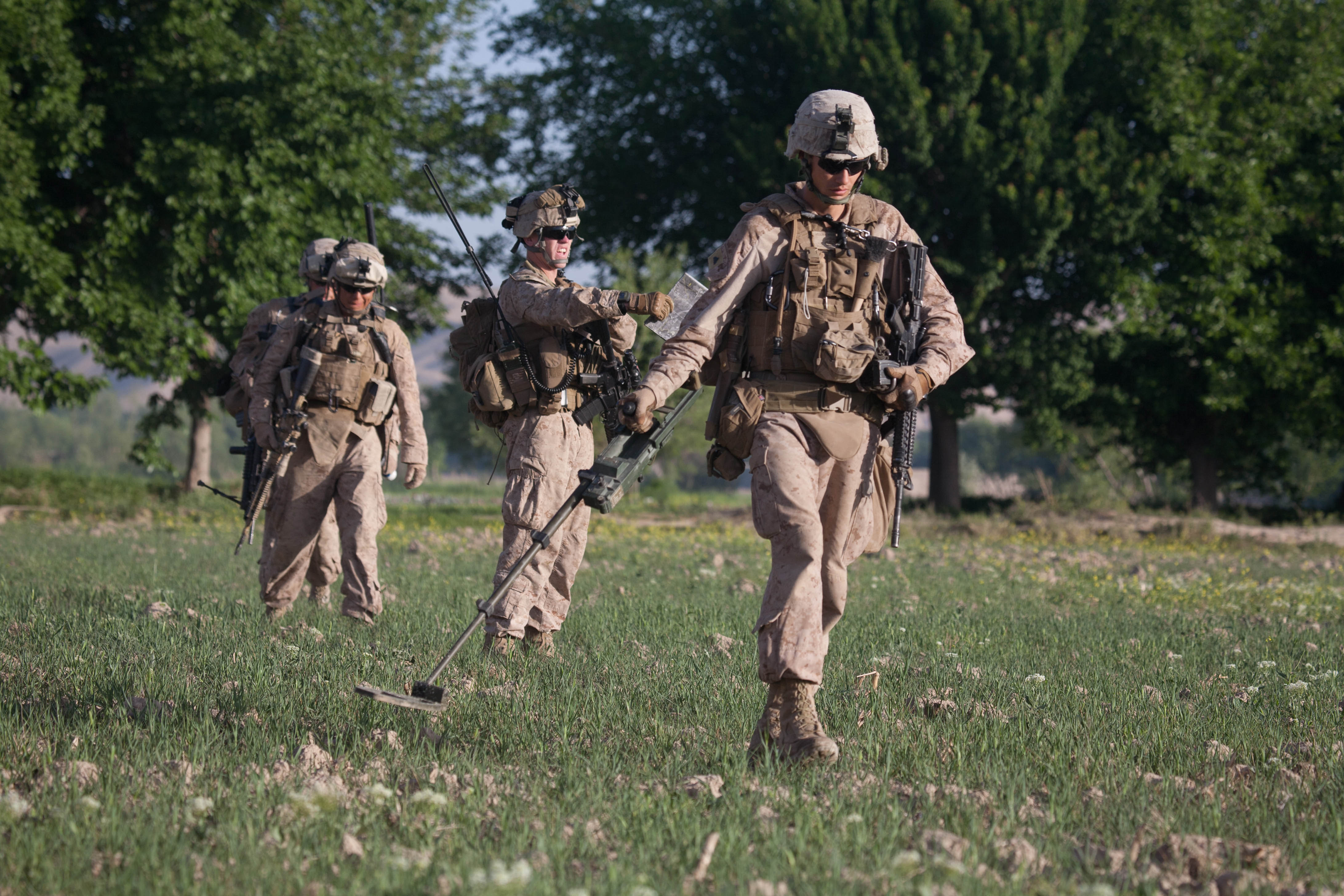 File:Defense.gov News Photo 110422-M-QZ858-065 - U.S. Marine Corps ...