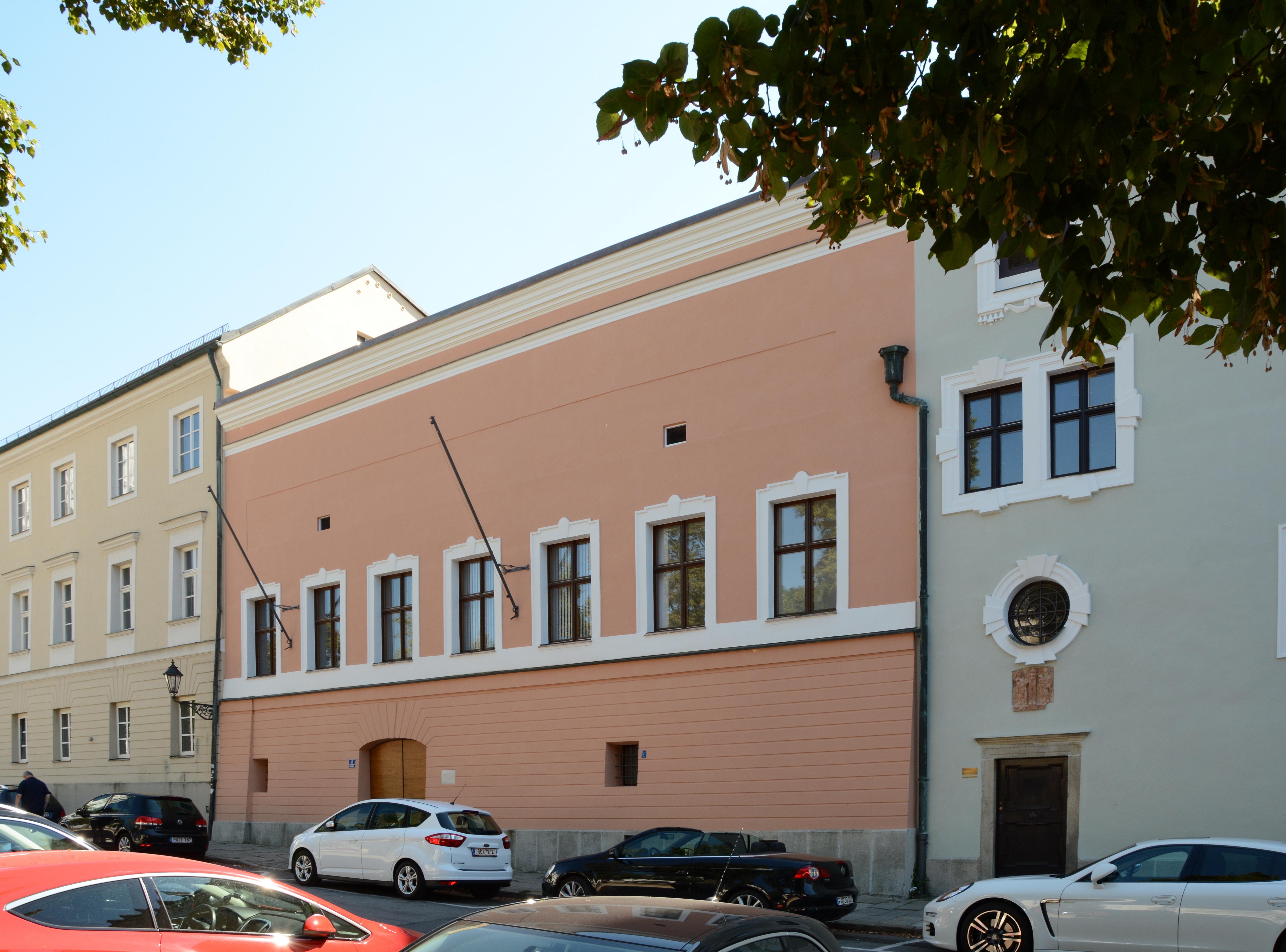 Filedomplatz 4 Passau Cjpg Wikimedia Commons