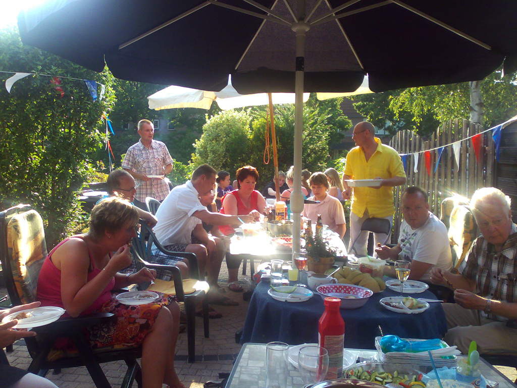 Dutch_family_bbq.jpg