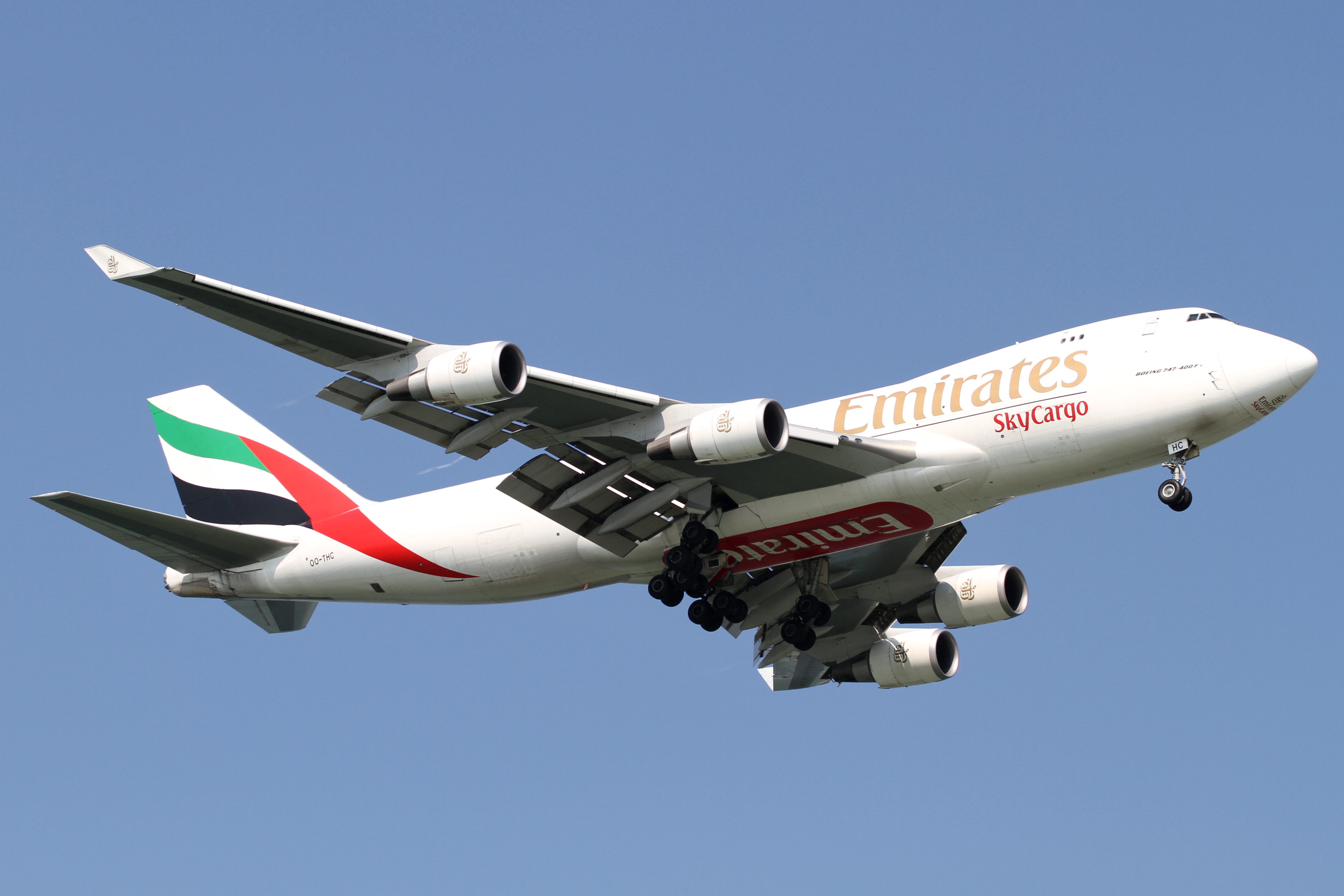 plane jumbo with File Emirates B747 400f Er Oo Thc   4992996283 on Watch furthermore 747 8 Intercontinental VIP Customer Buys Boeing Jumbo Jet Turn Sky Palace as well Los Rodeos Tenerife El Peor Accidente additionally File Emirates B747 400F ER OO THC   4992996283 additionally Boeing 747.