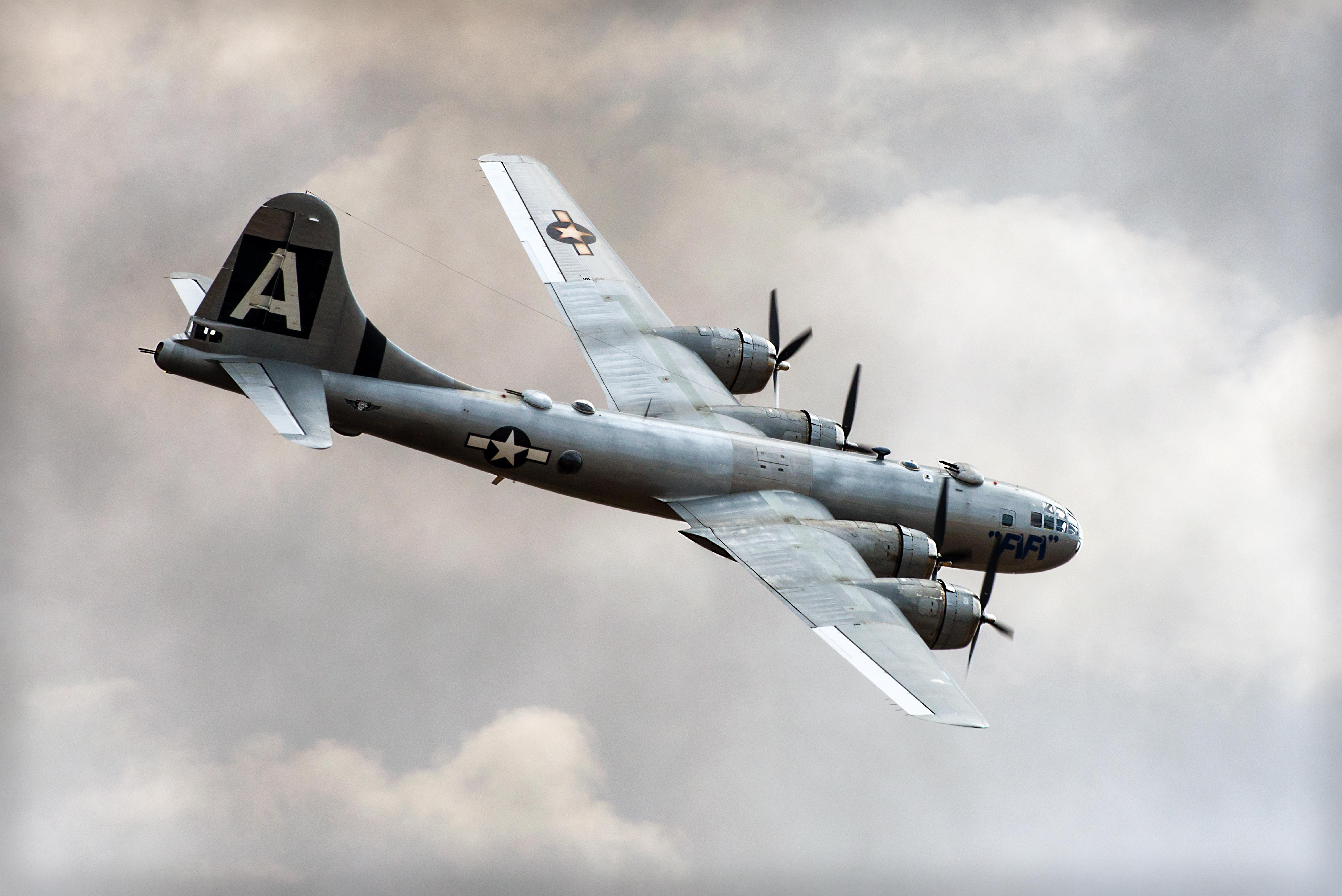 FIFI (aircraft) - Wikipedia
