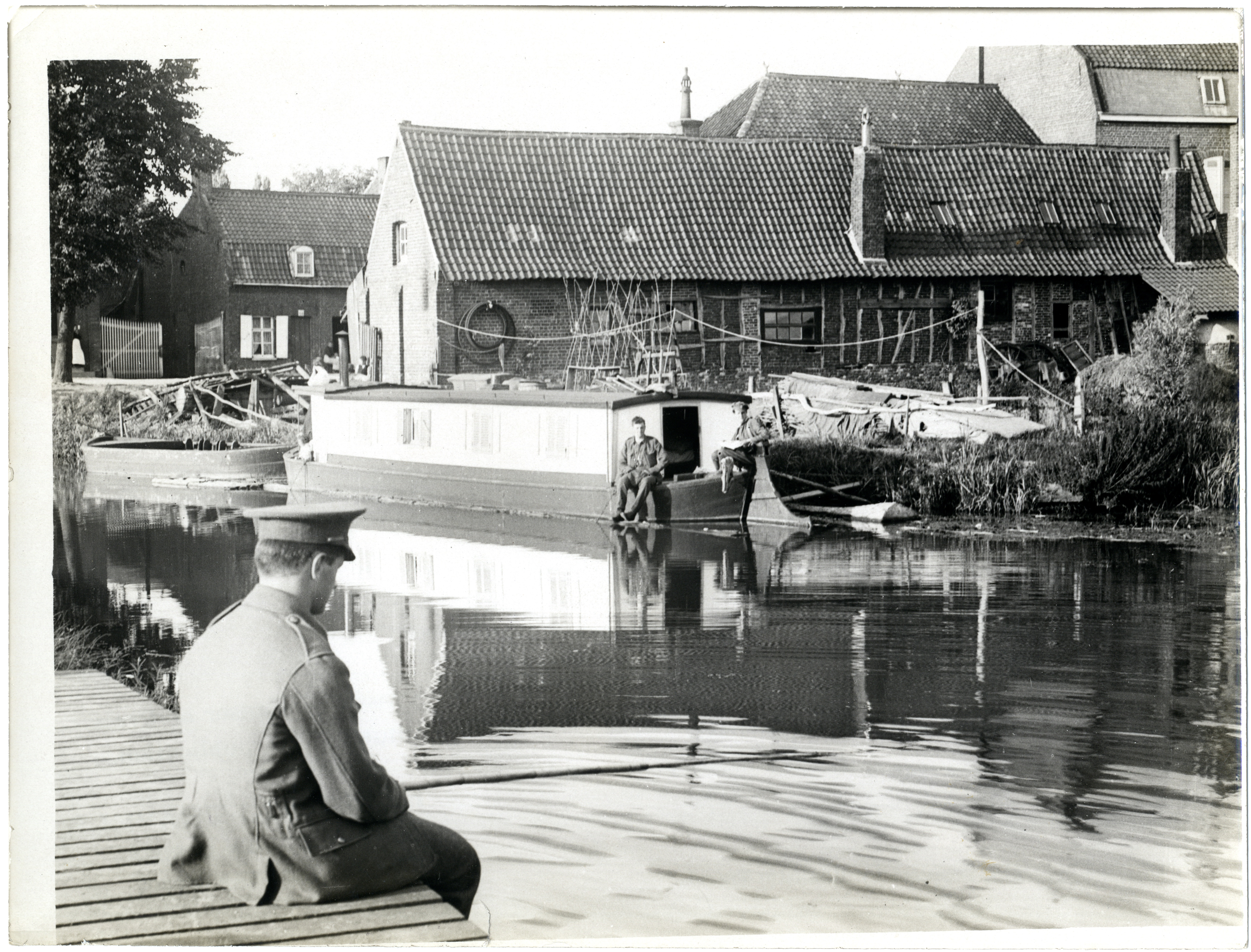 file fishing in a flanders canal near merville photographer h d girdwood 13875331003. Black Bedroom Furniture Sets. Home Design Ideas