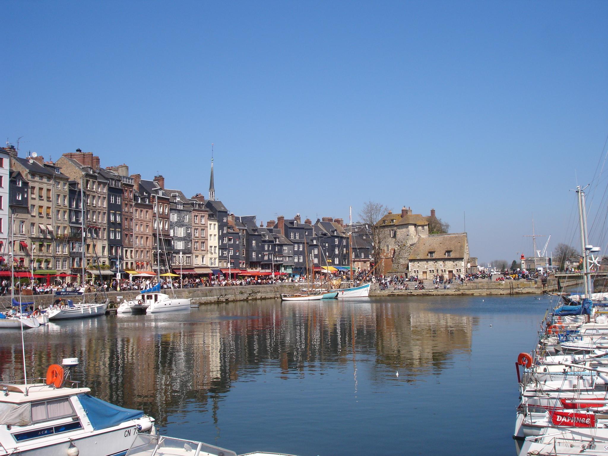 Honfleur France  city photo : Description France Calvados Honfleur port2