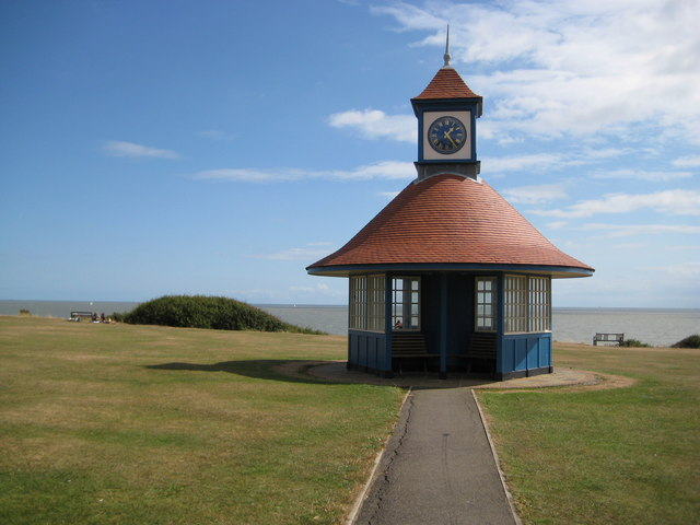 Frinton-on-Sea, The Clock Tower shelter - geograph.org.uk - 1473522