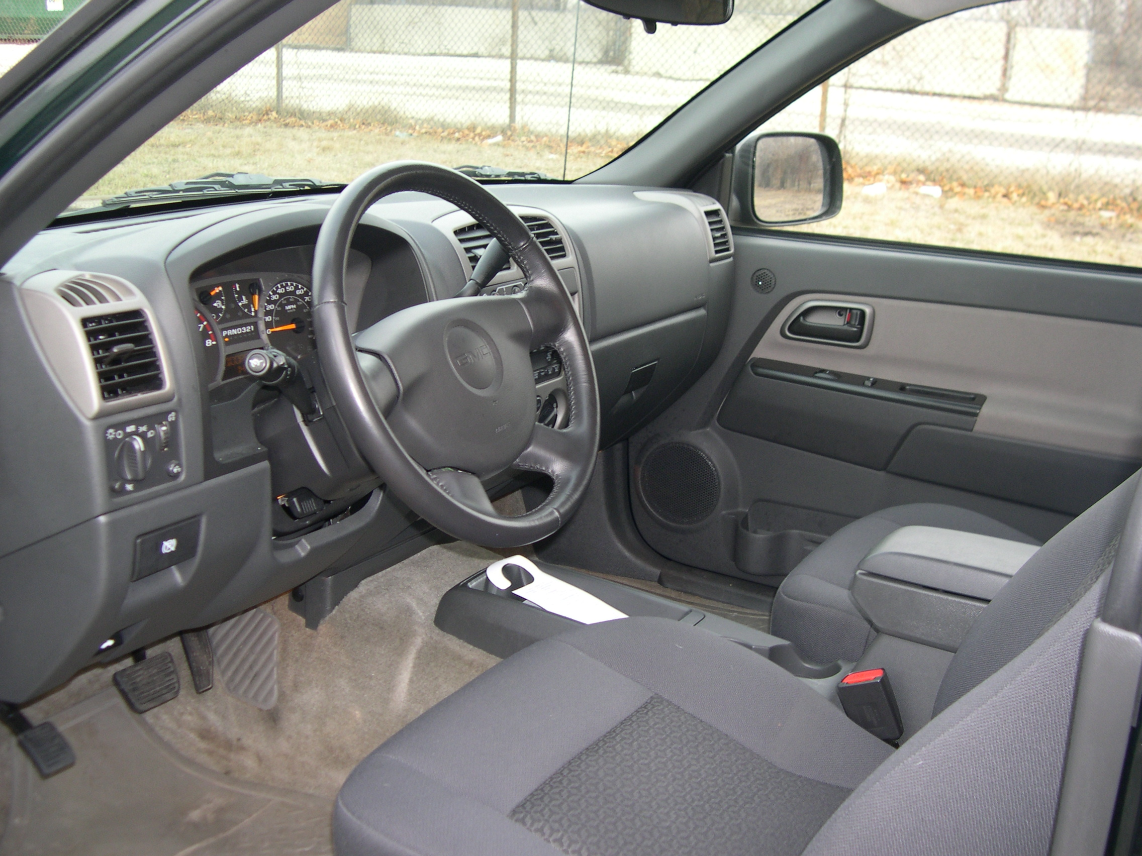 File:GMC Canyon Interior
