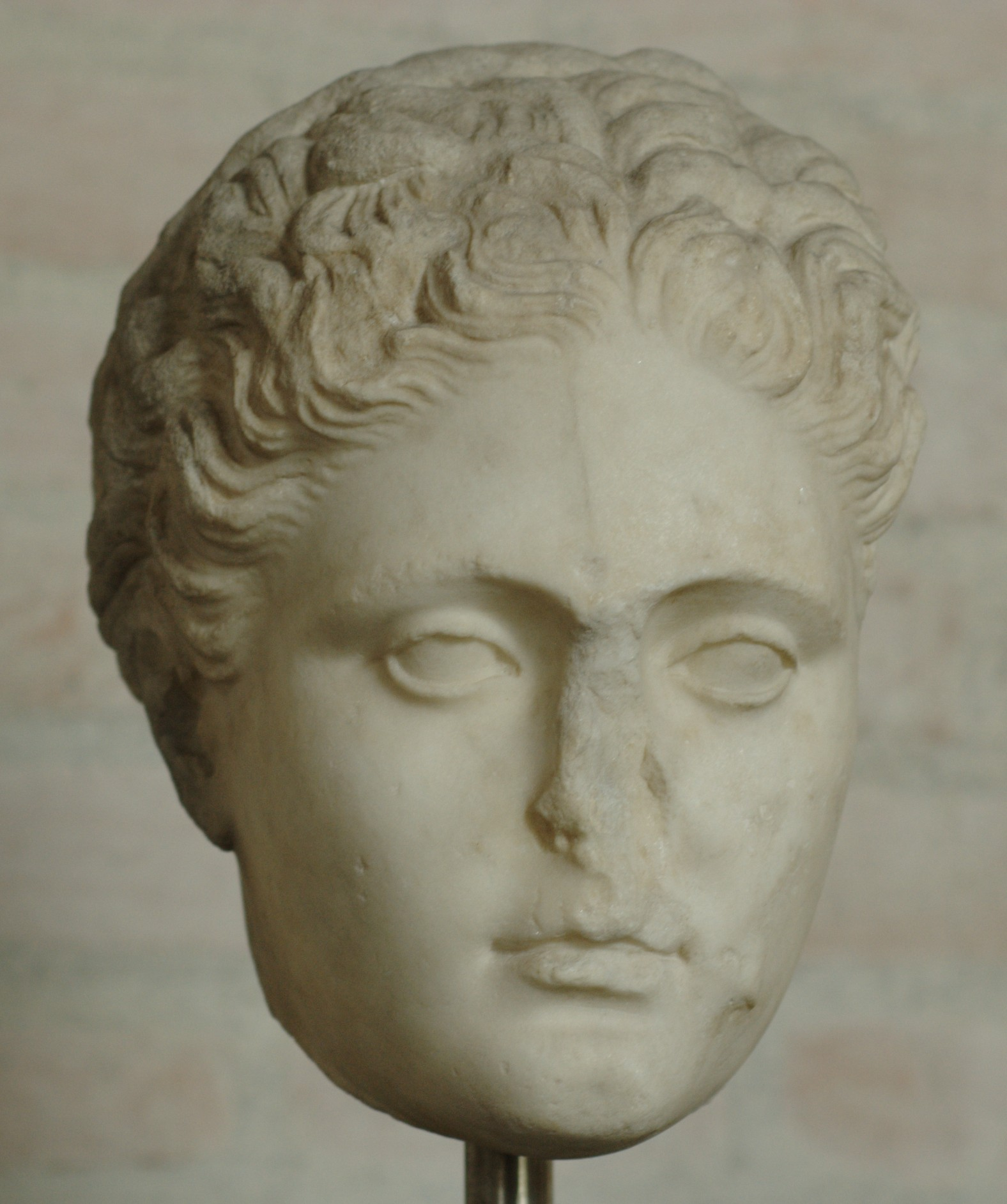 Head of a woman from the [[Glyptothek