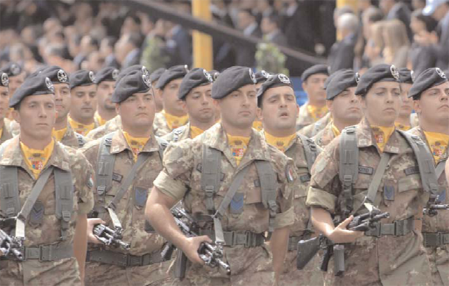 Italian soldiers during a parade.
