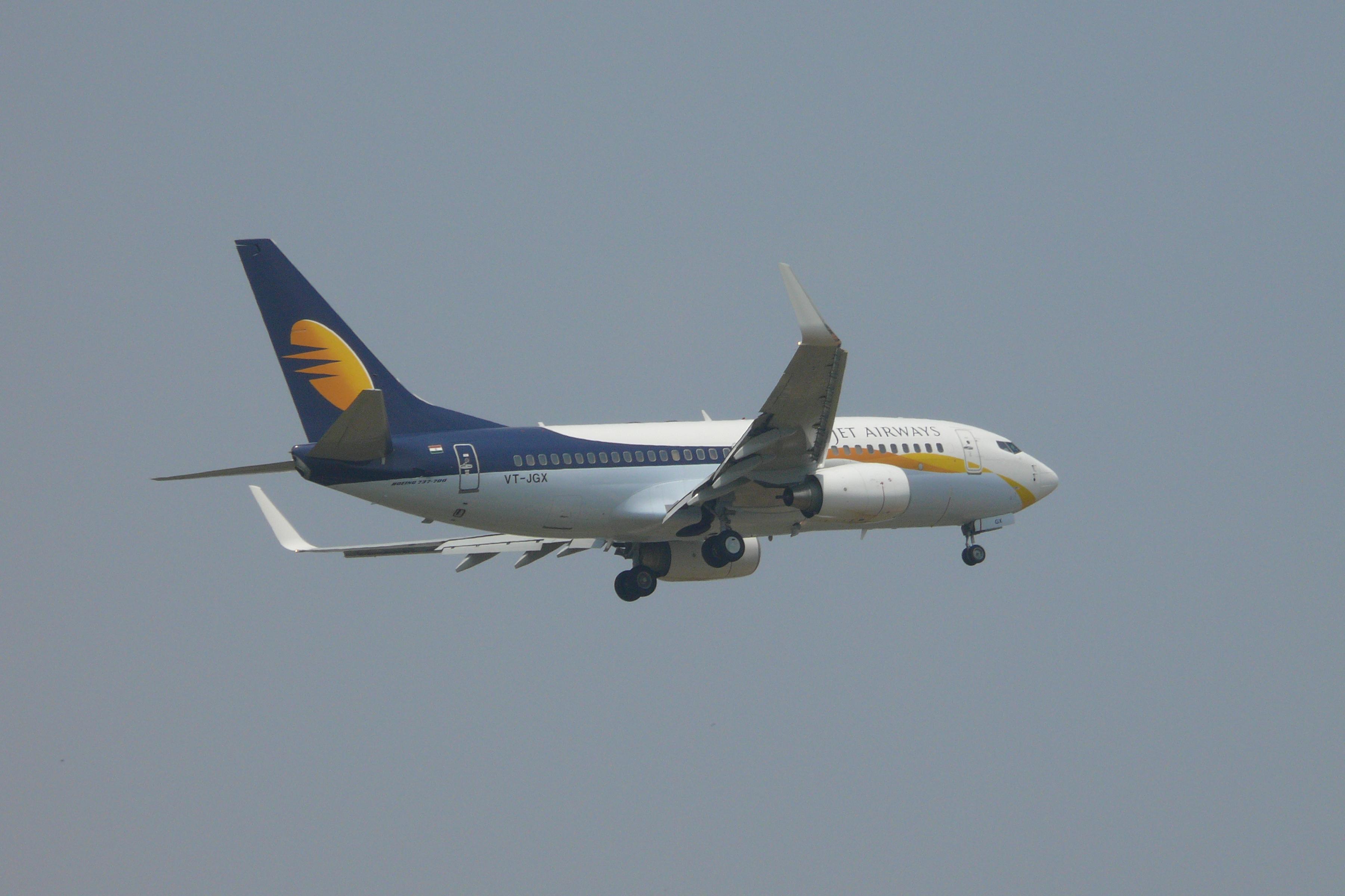 Boeing%20737-700%20%28winglets%29%20pax