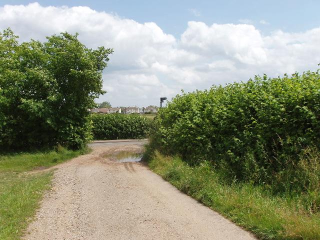 John Bunyan Trail enters Wootton - geograph.org.uk - 474346