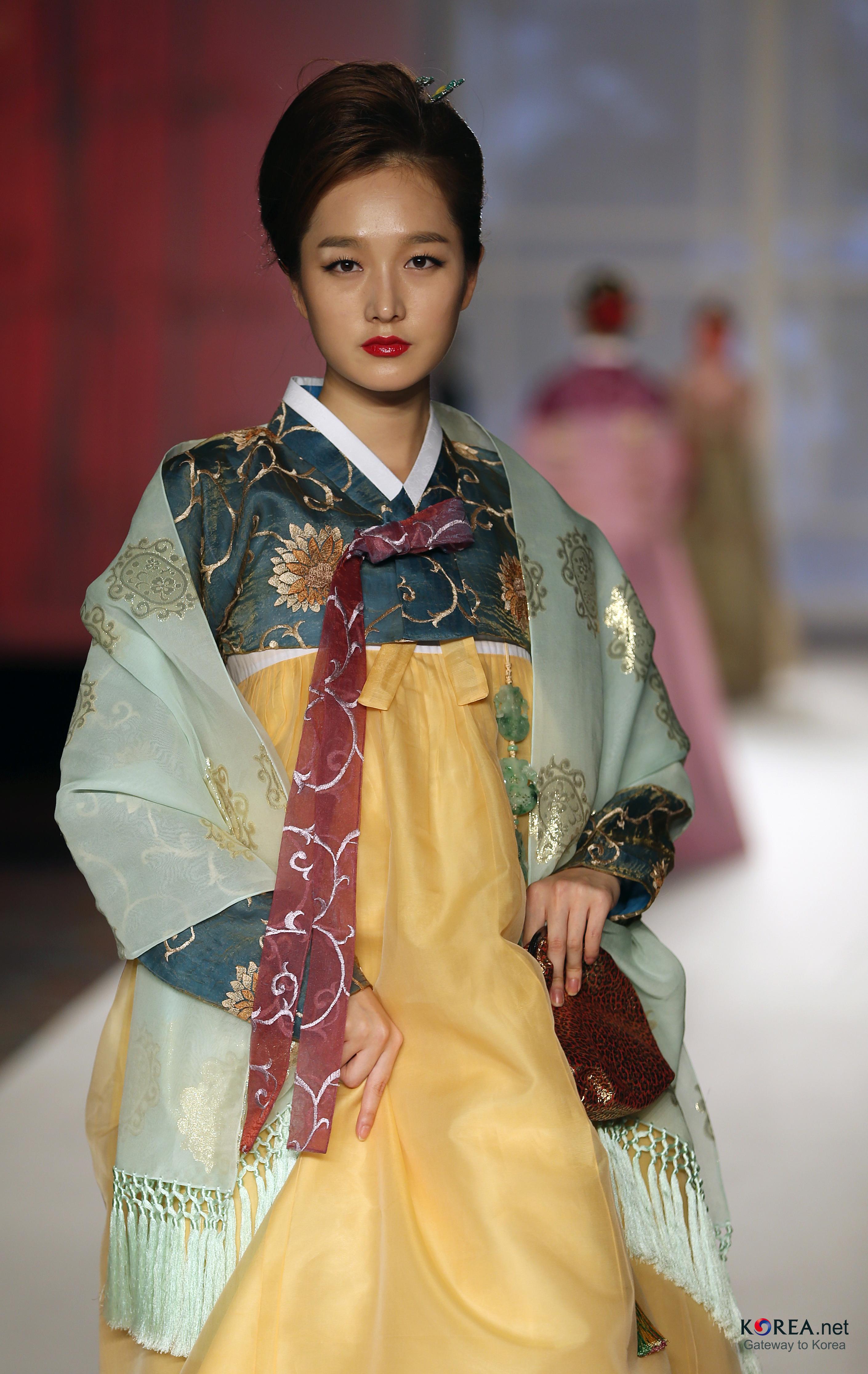 filekocis korea hanbokaodai fashionshow 48 9766402766