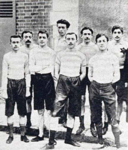File:L'équipe de Racing Club de France victorieuse du championnat de cross-country, en 1896.jpg