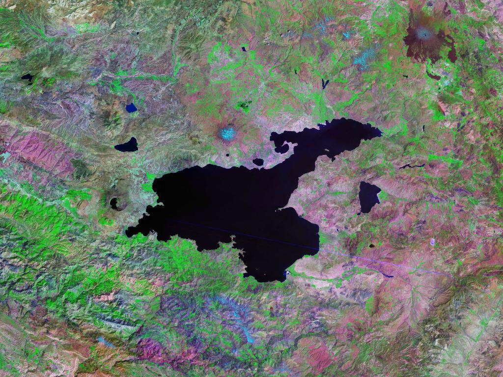 ヴァン湖の衛星イメージ
